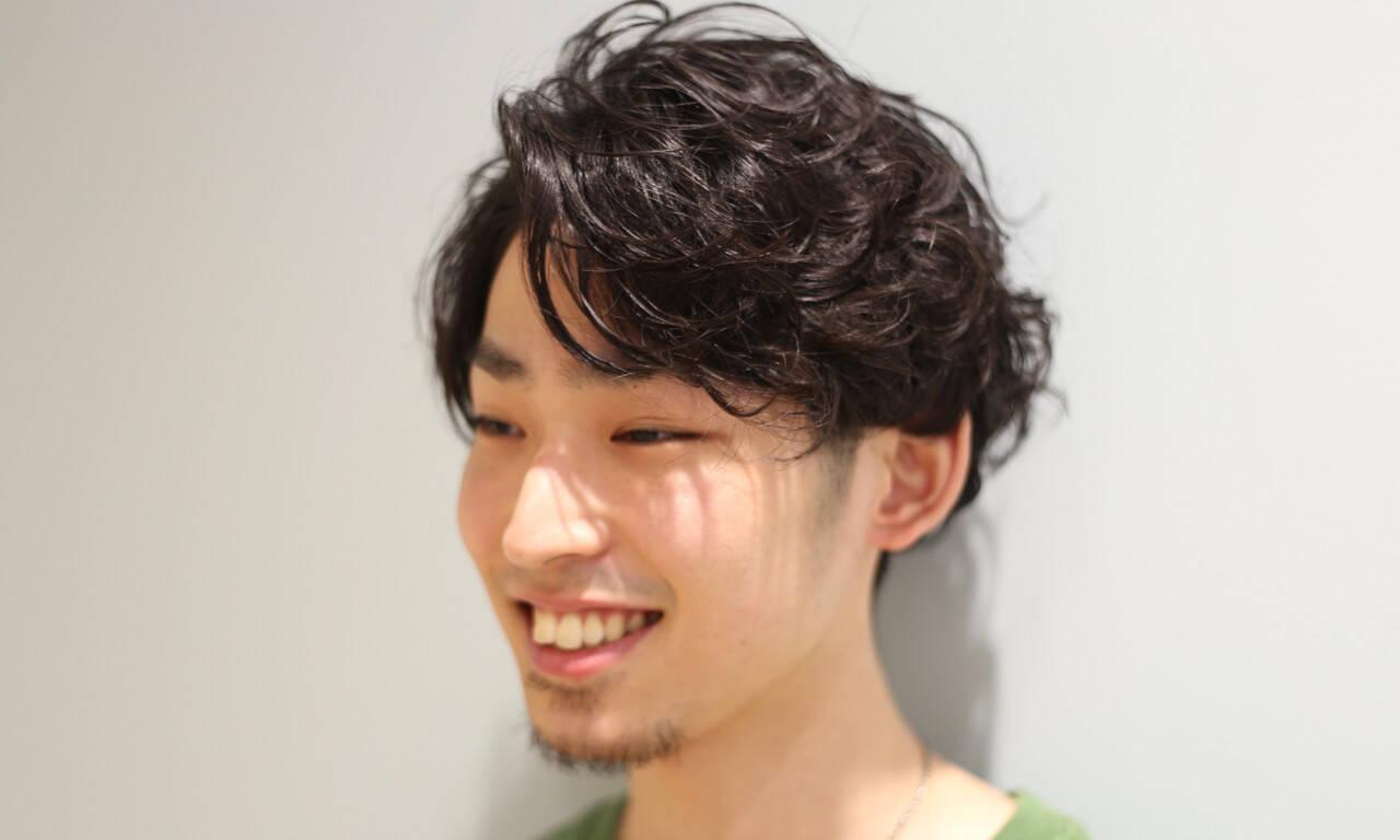 メンズカジュアル 刈り上げ メンズ メンズパーマヘアスタイルや髪型の写真・画像