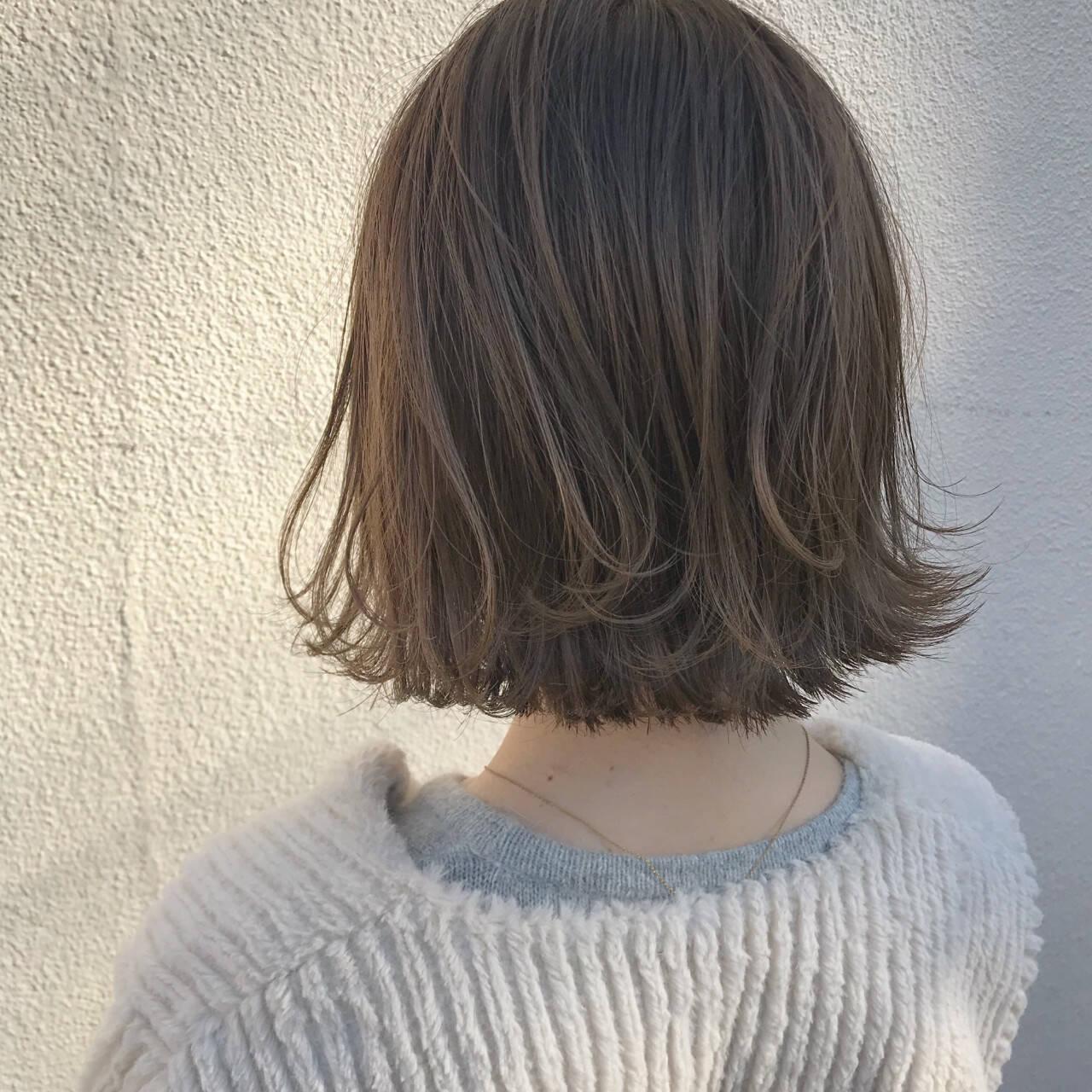 外ハネ ナチュラル 切りっぱなし ゆるふわヘアスタイルや髪型の写真・画像