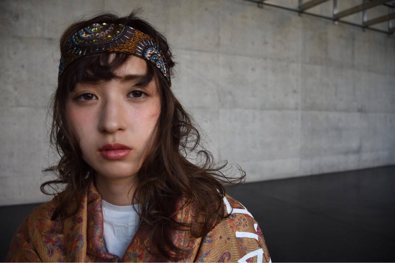 セミロング ピュア ハーフアップ ショートヘアスタイルや髪型の写真・画像