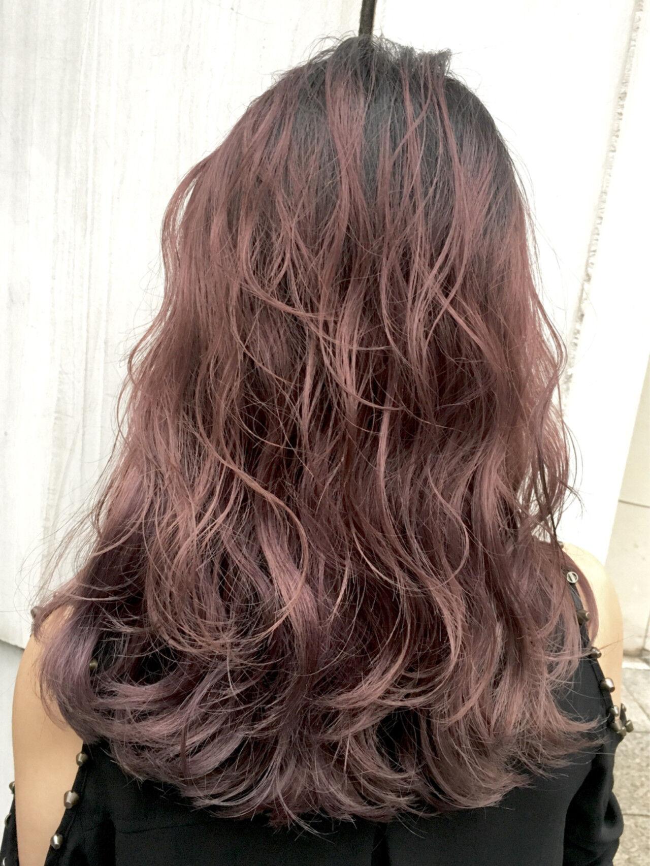女子力 グラデーションカラー ピンクアッシュ レッドヘアスタイルや髪型の写真・画像