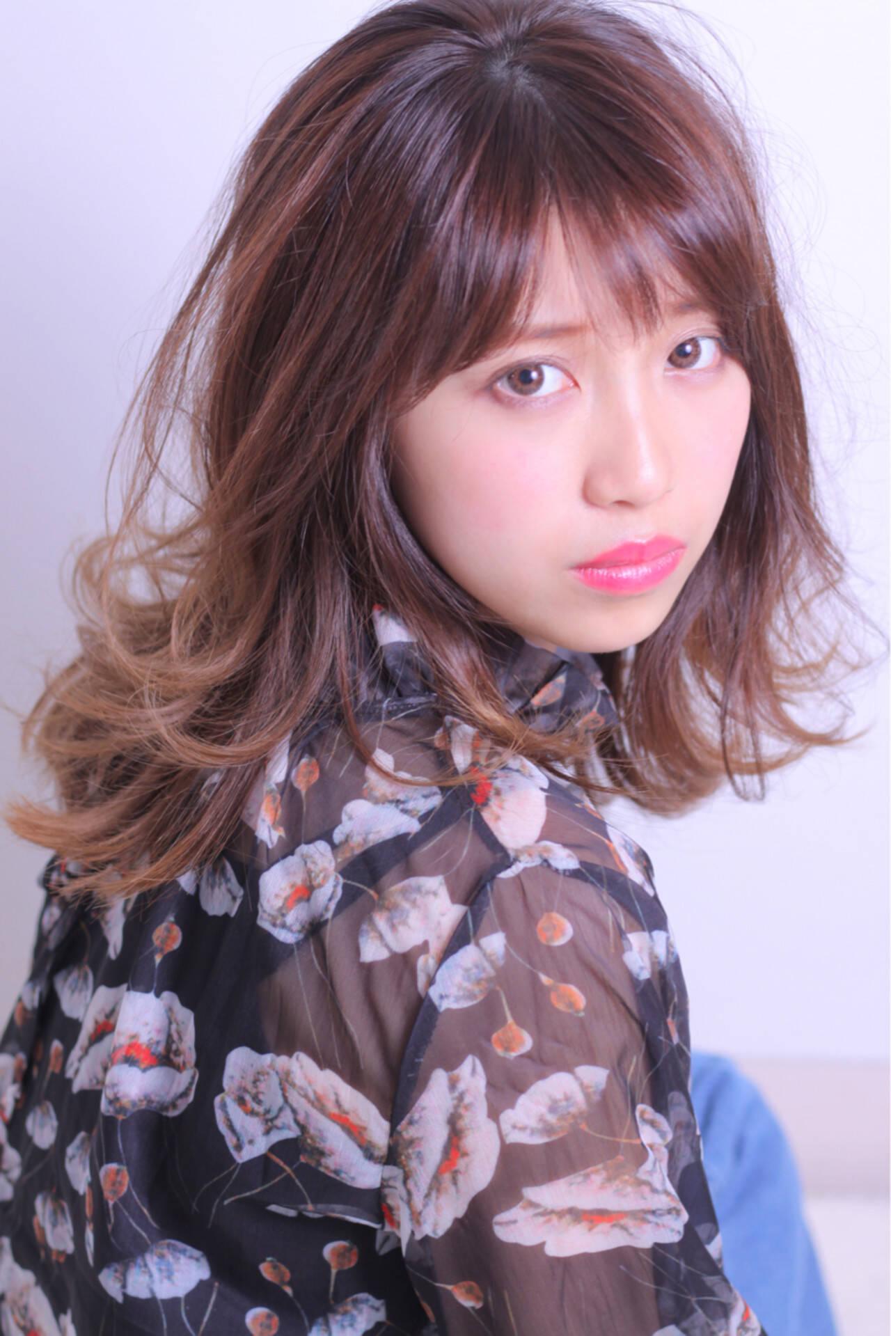 外国人風 大人かわいい 色気 セミロングヘアスタイルや髪型の写真・画像