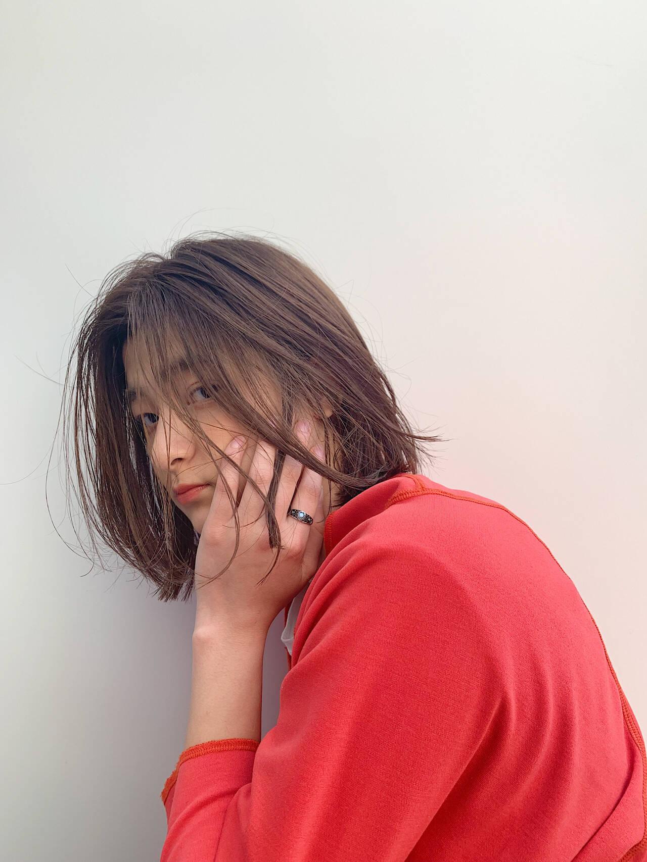 簡単ヘアアレンジ 春 デート オフィスヘアスタイルや髪型の写真・画像