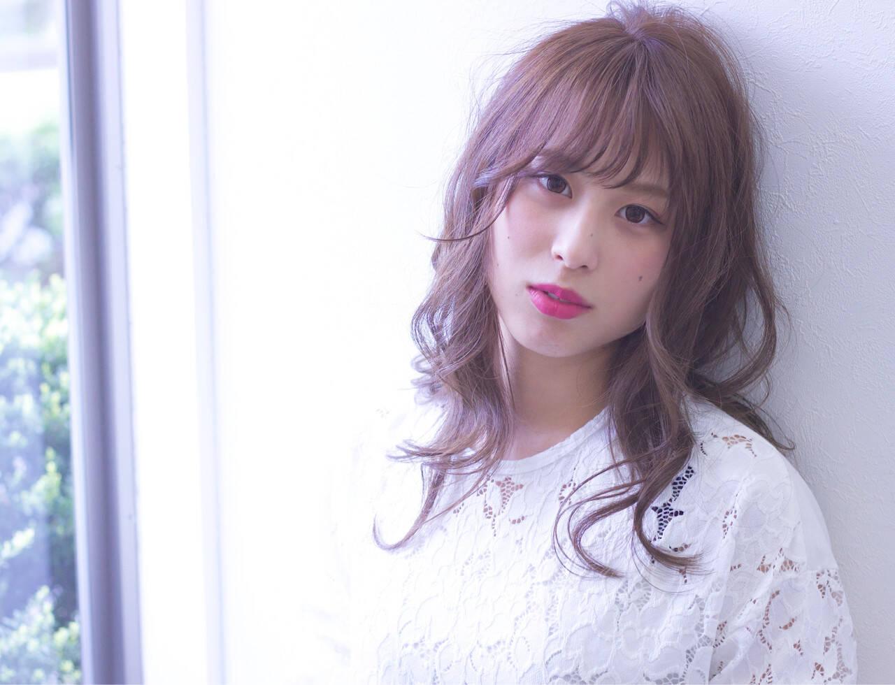 ミディアム ピンクアッシュ バレンタイン 謝恩会ヘアスタイルや髪型の写真・画像