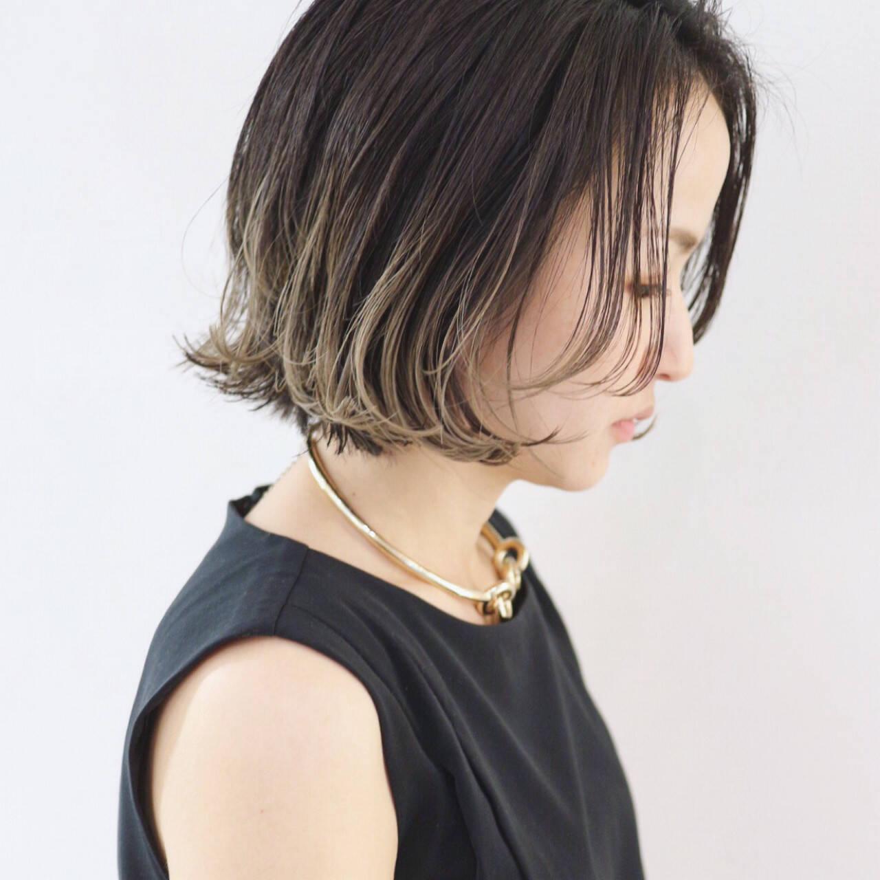 ストリート ブルージュ グラデーションカラー ボブヘアスタイルや髪型の写真・画像