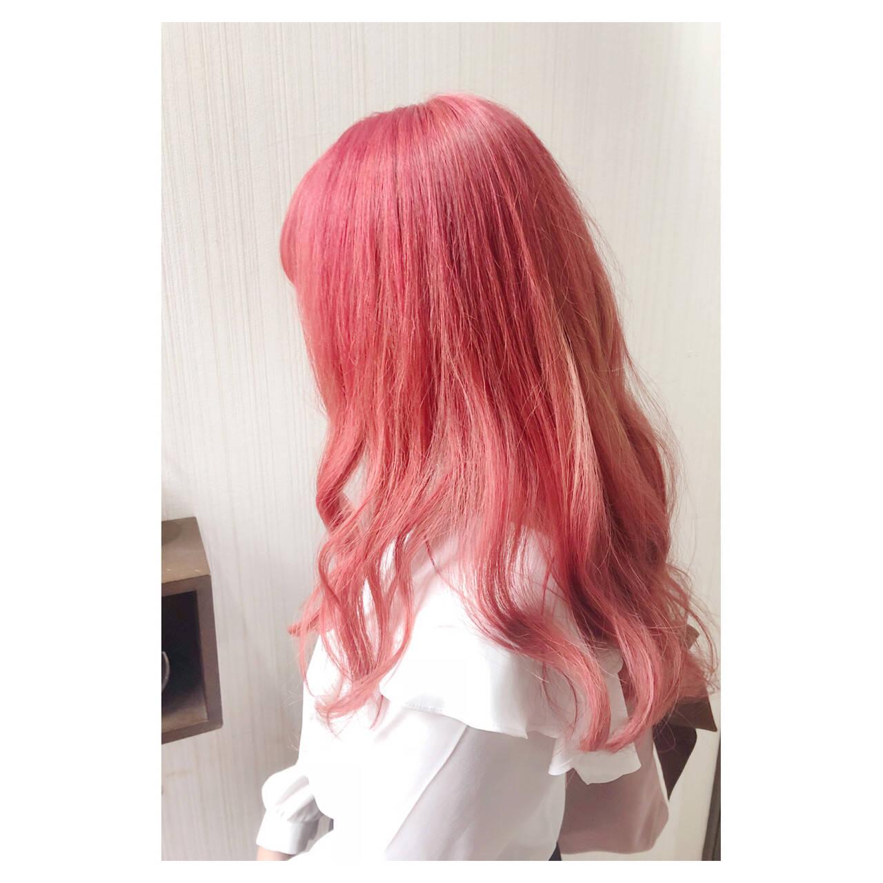 ピンク ヘアマニキュア フェミニン 秋ヘアスタイルや髪型の写真・画像