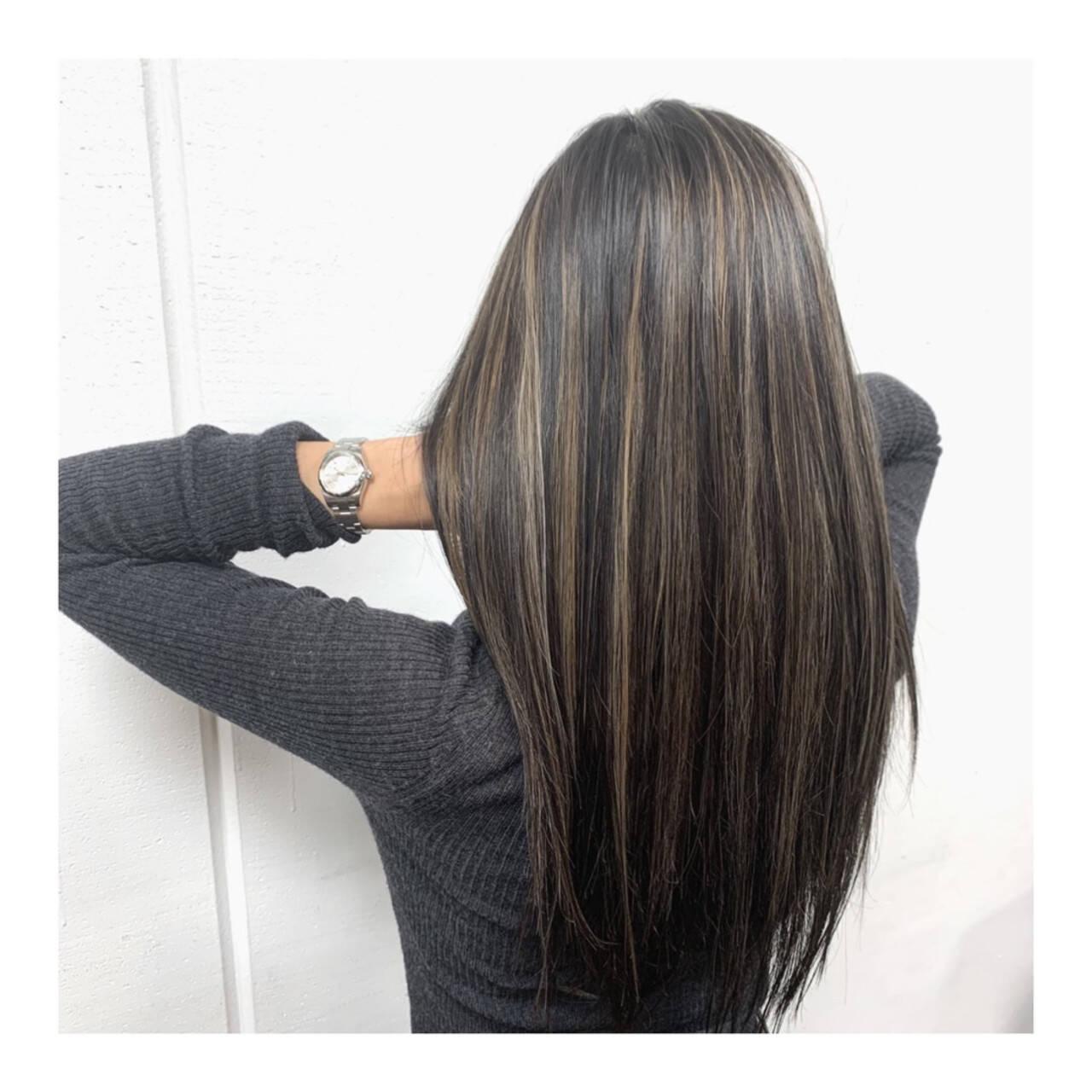 極細ハイライト ハイライト ロング ナチュラルヘアスタイルや髪型の写真・画像