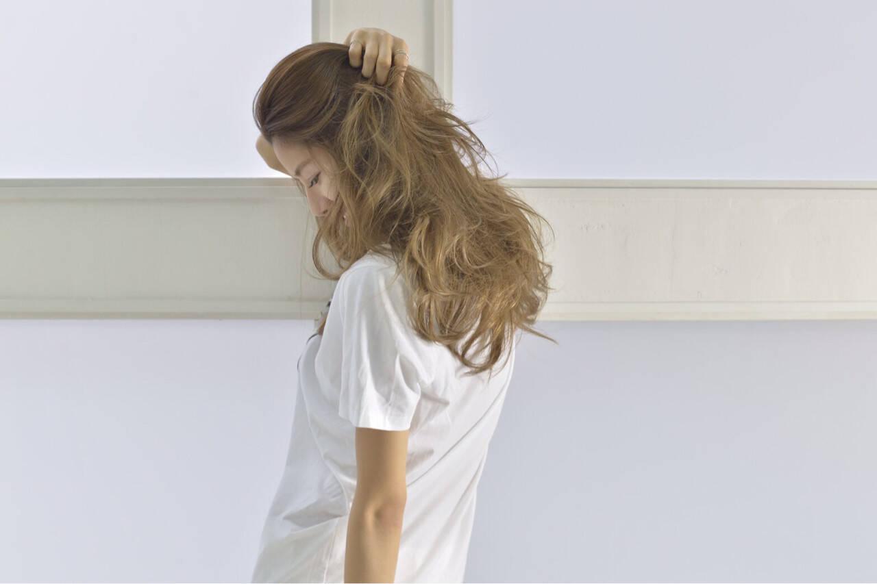 外国人風 セミロング アッシュ ストリートヘアスタイルや髪型の写真・画像
