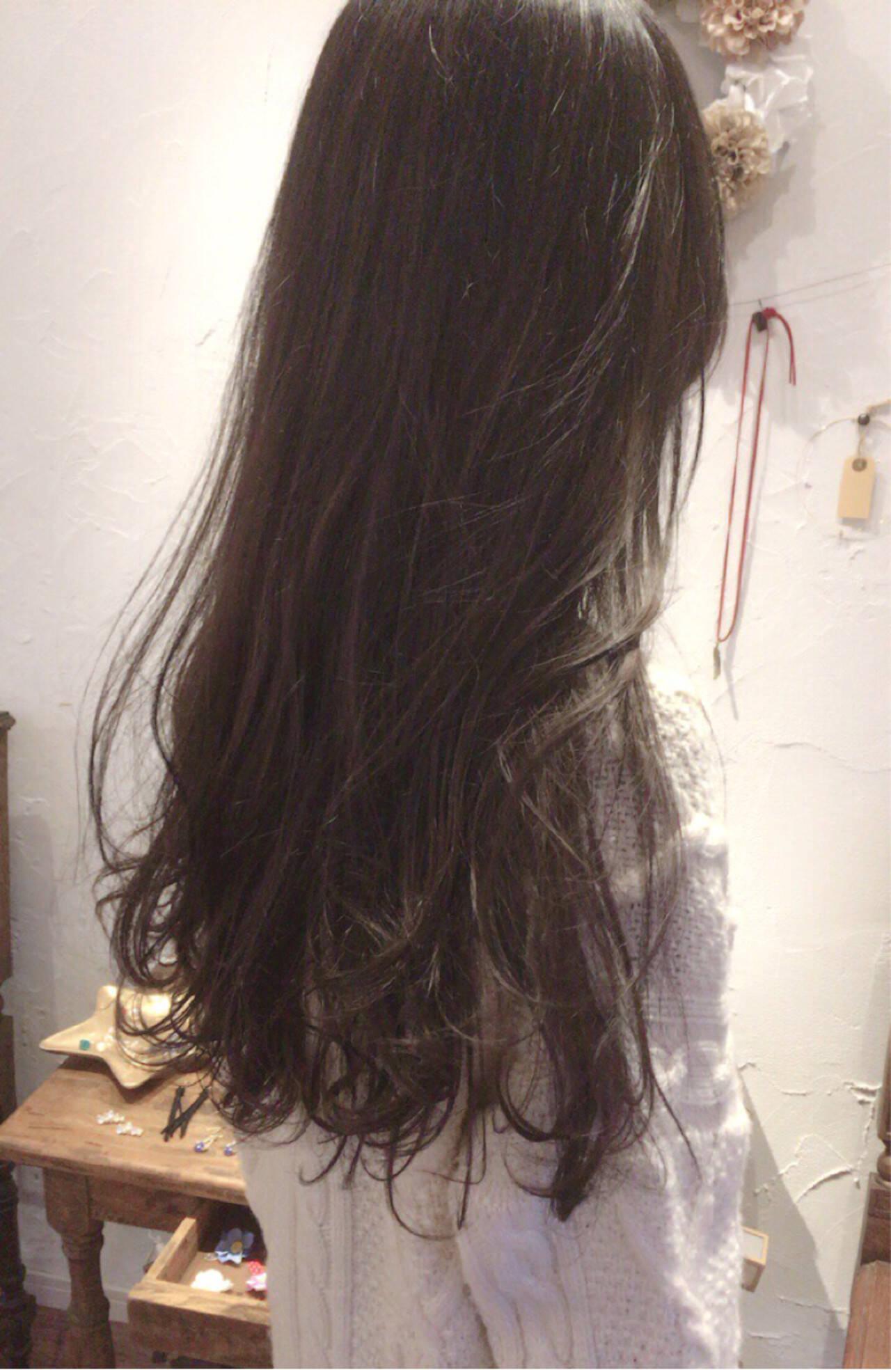 黒髪 アッシュ ナチュラル ハイライトヘアスタイルや髪型の写真・画像