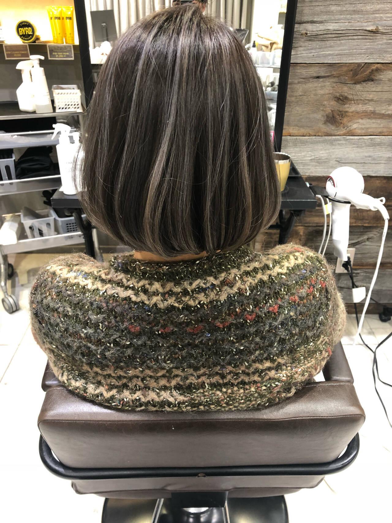 アンニュイほつれヘア ボブ ナチュラル グレージュヘアスタイルや髪型の写真・画像