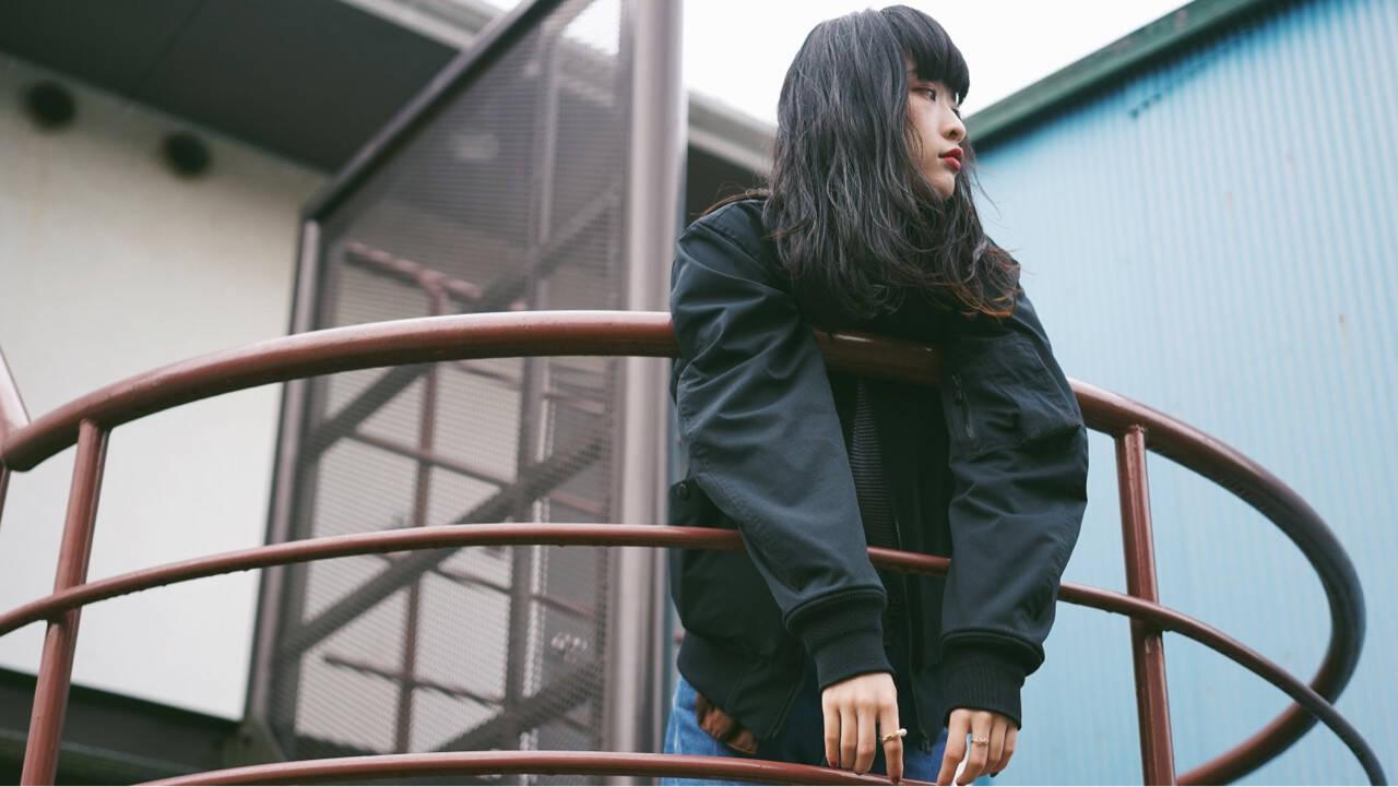 暗髪 ストリート 秋 アッシュヘアスタイルや髪型の写真・画像