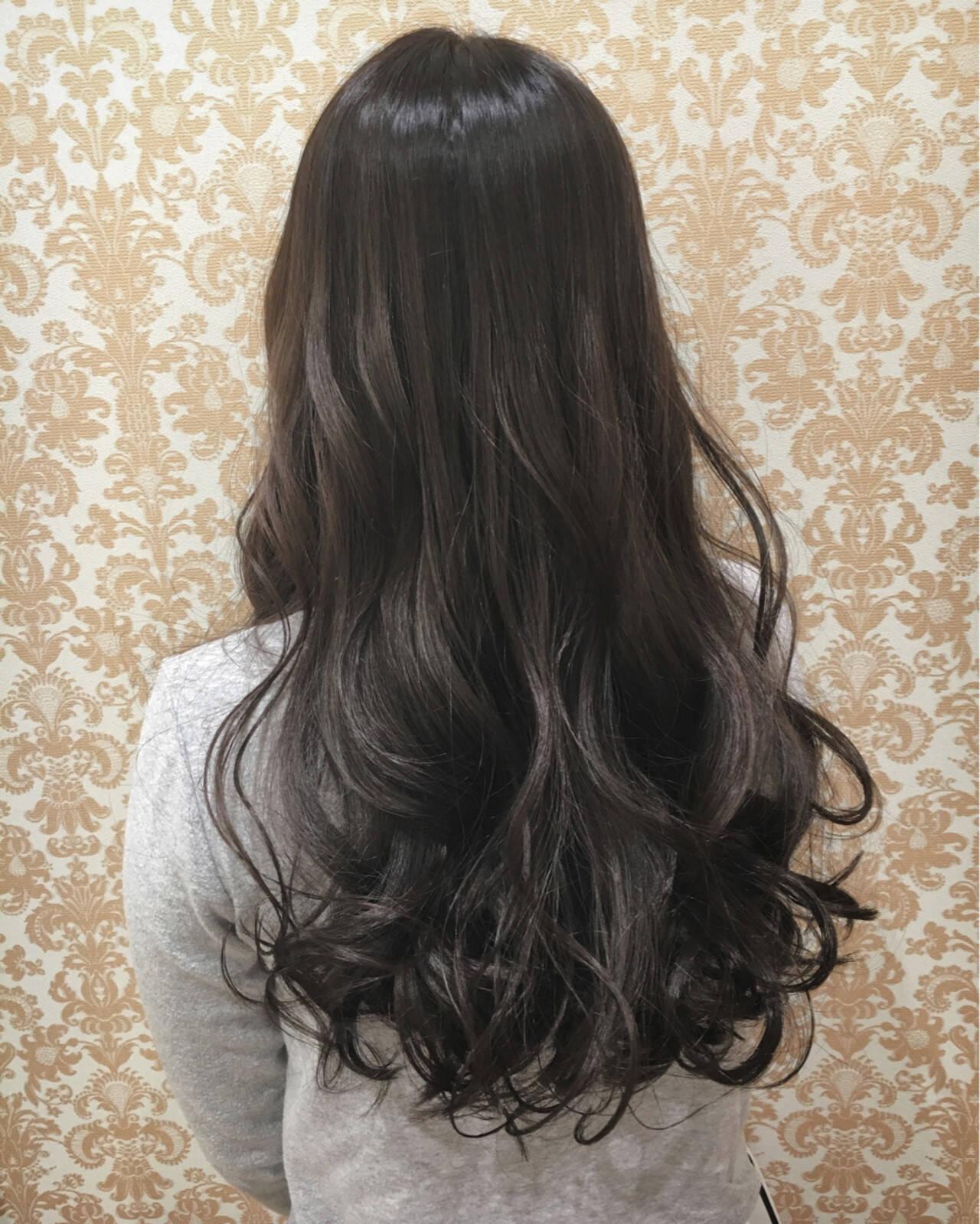 フェミニン 外国人風 グラデーションカラー グレーアッシュヘアスタイルや髪型の写真・画像