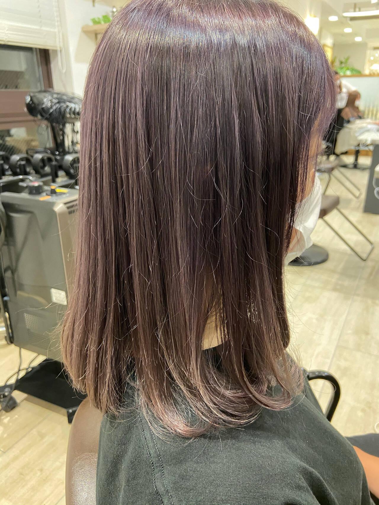 ラベンダー ラベンダーグレージュ ラベンダーアッシュ ナチュラルヘアスタイルや髪型の写真・画像