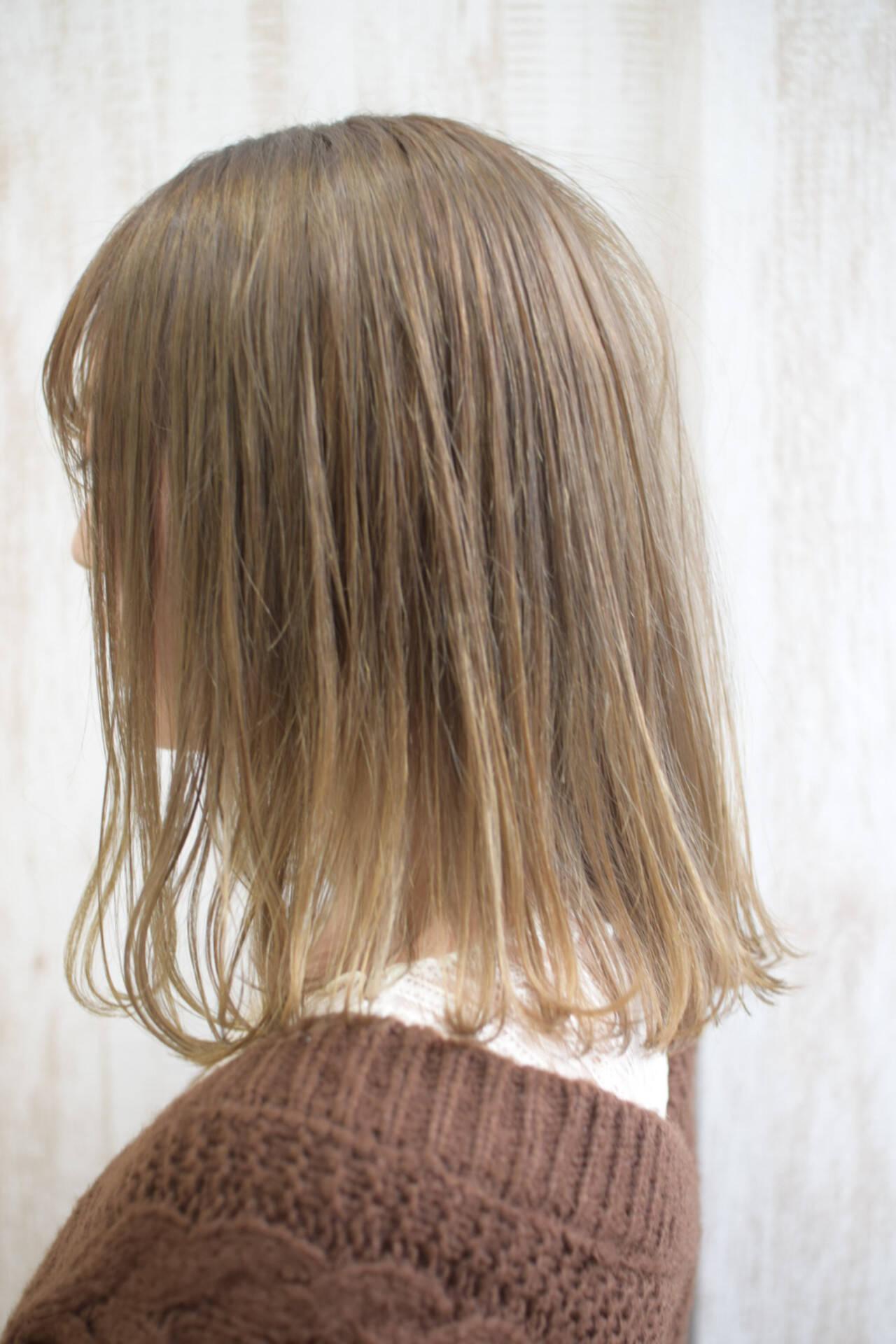 ミルクティー ミルクティーベージュ プラチナブロンド ボブヘアスタイルや髪型の写真・画像