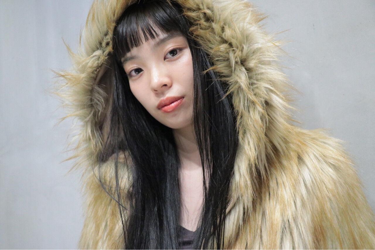 黒髪 モード ロングヘアスタイルや髪型の写真・画像