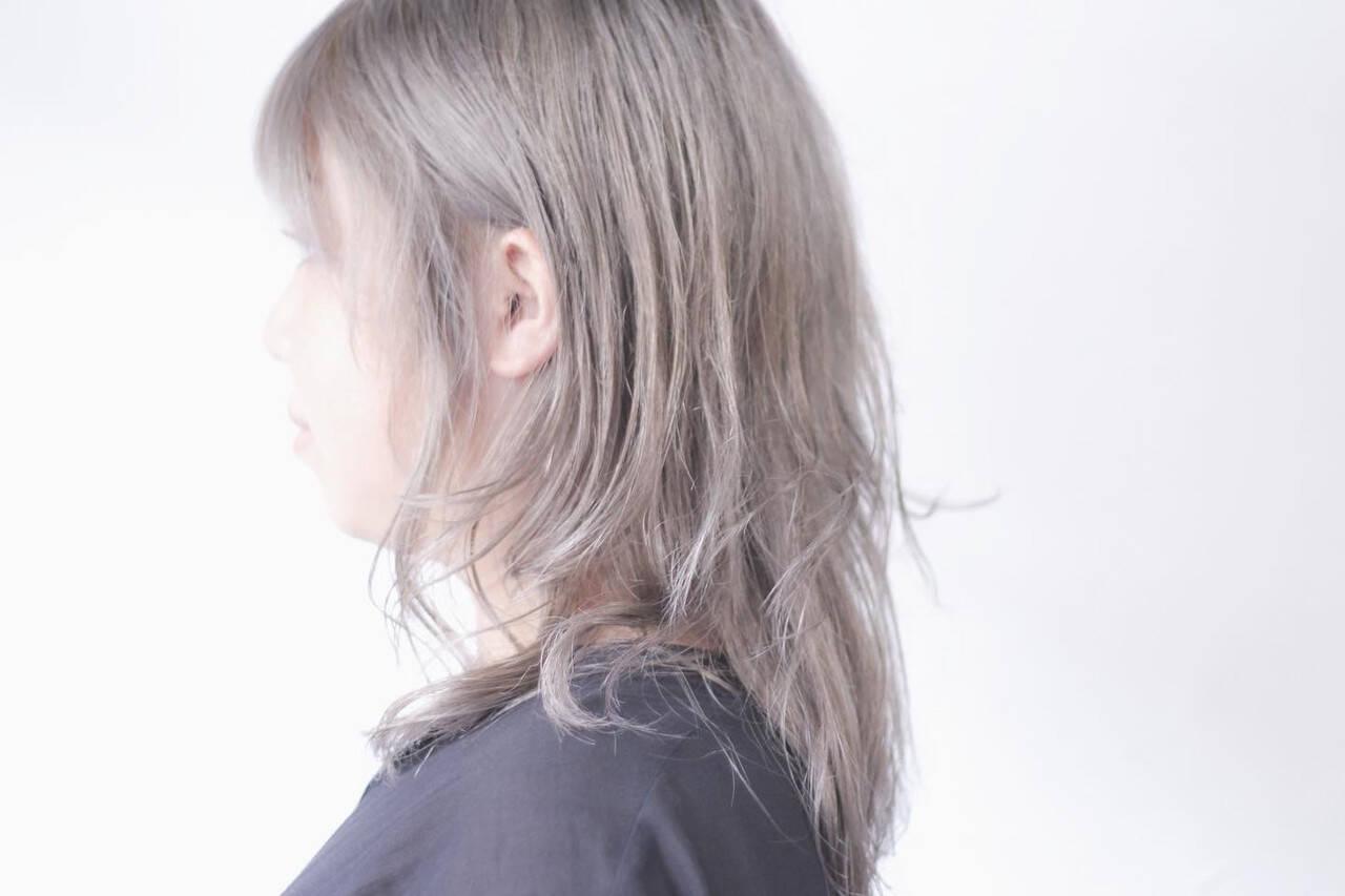 ナチュラル ラベンダーグレー ラベンダーグレージュ ラベンダーアッシュヘアスタイルや髪型の写真・画像