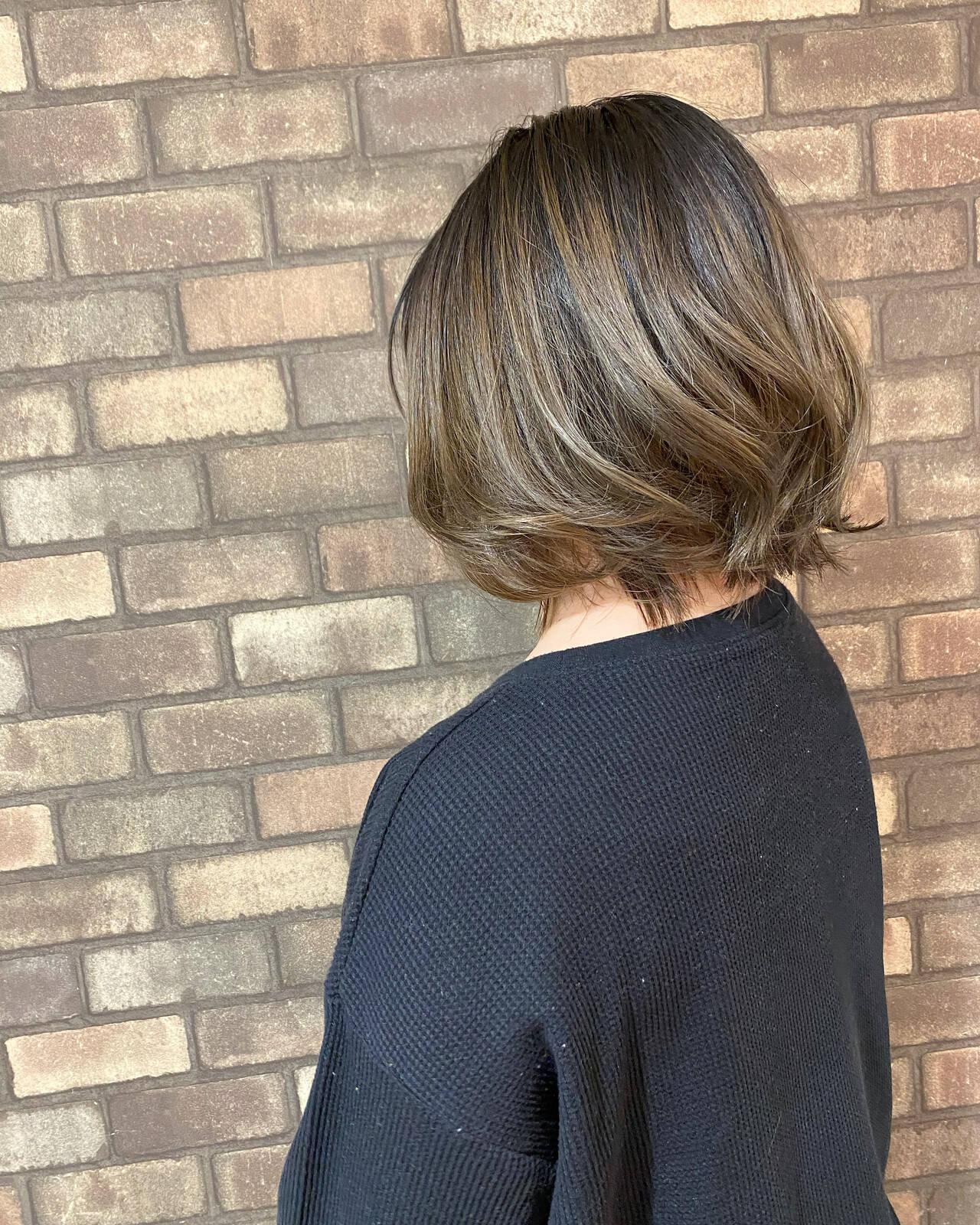 ブリーチ必須 イルミナカラー ボブ ベージュヘアスタイルや髪型の写真・画像