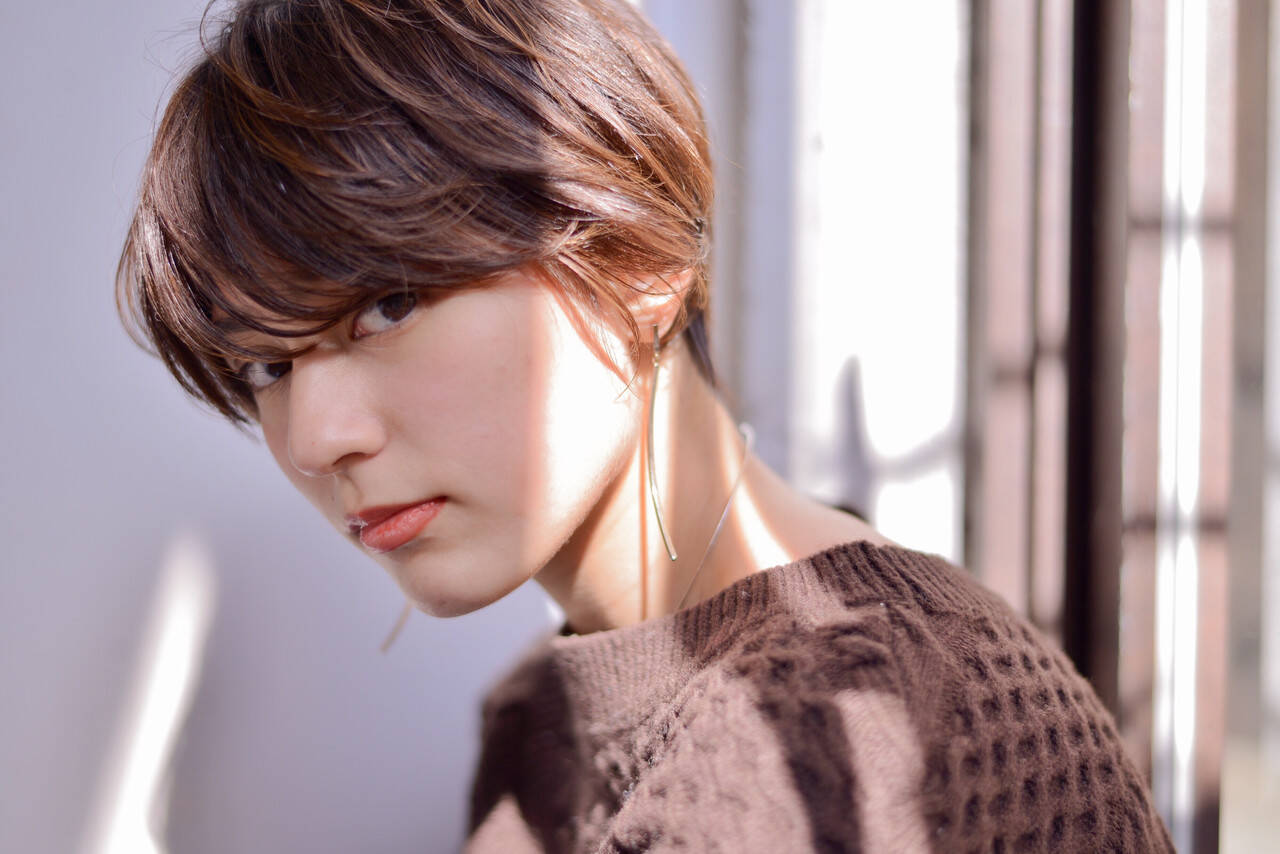 シースルーバング かわいい ミニボブ エレガントヘアスタイルや髪型の写真・画像