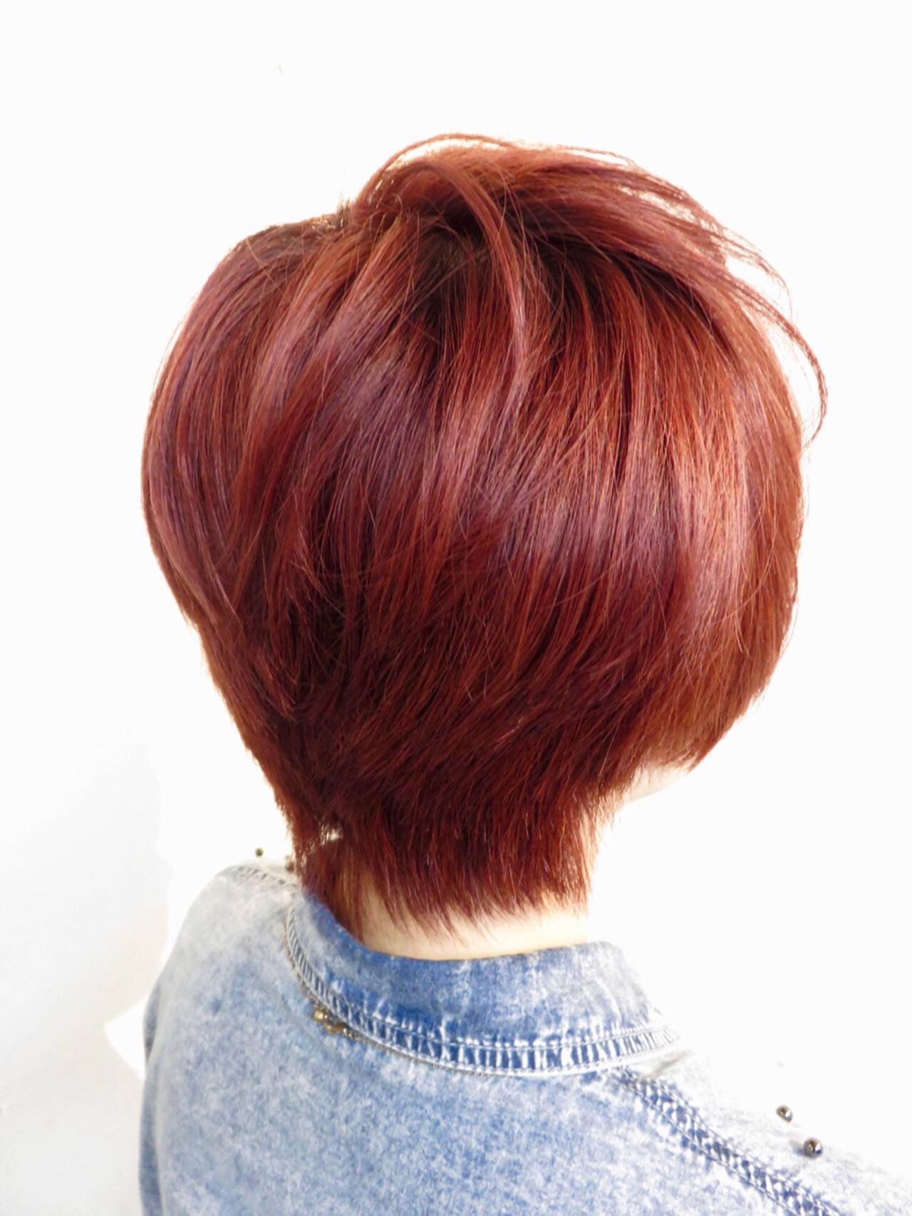 ストリート レッド ショートボブ ブリーチヘアスタイルや髪型の写真・画像