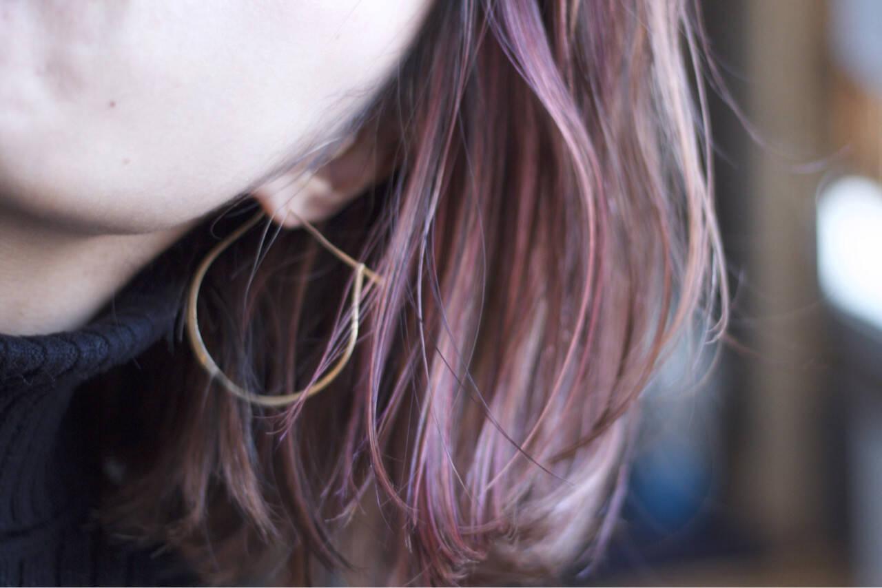ハイライト ミディアム ストリート ピンクヘアスタイルや髪型の写真・画像