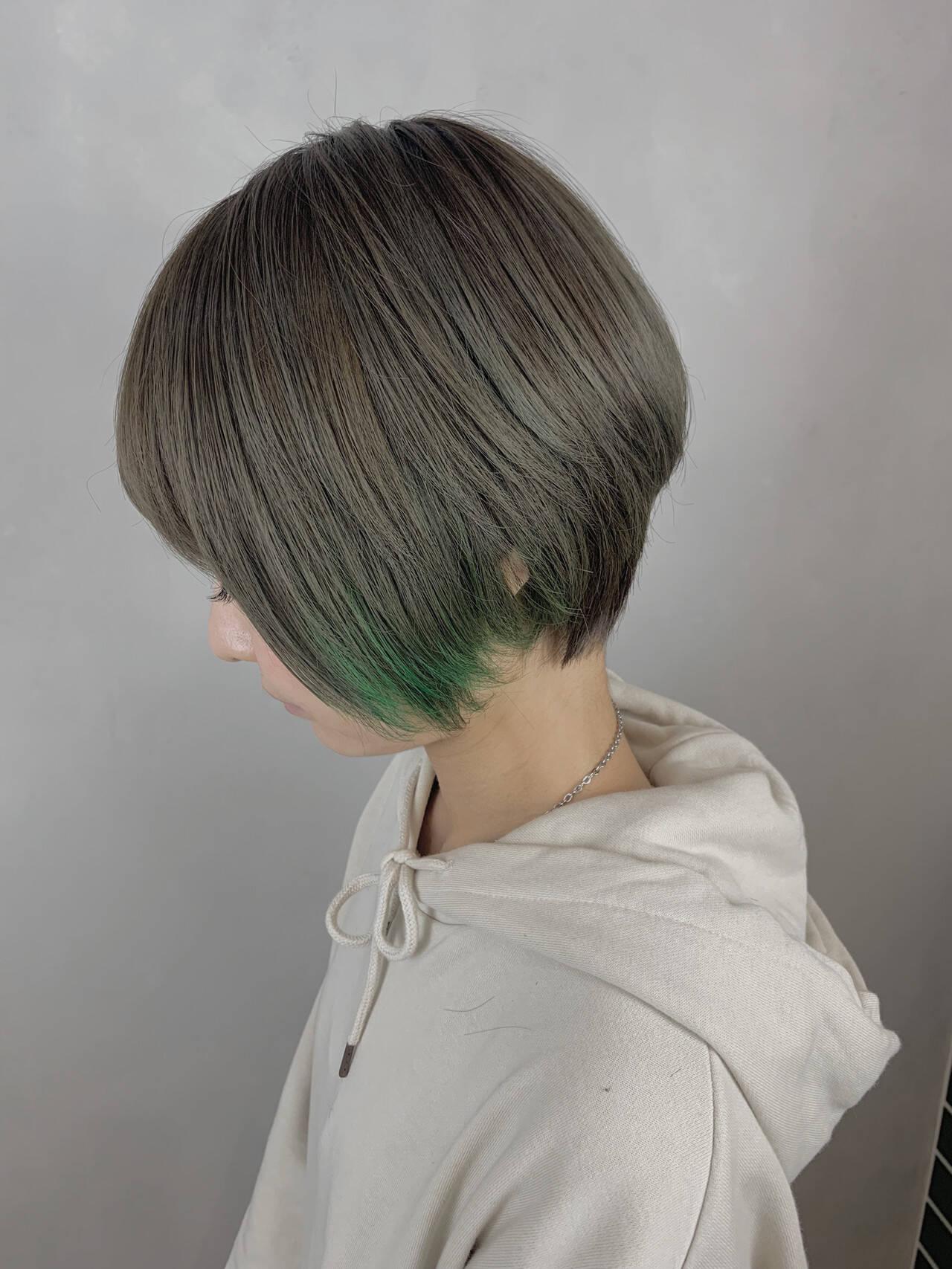 大人かわいい インナーカラー ショート ハンサムショートヘアスタイルや髪型の写真・画像