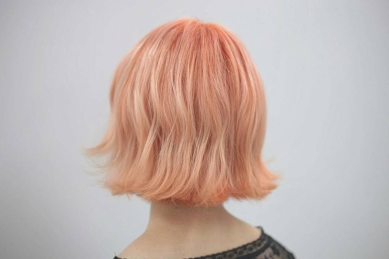 ブリーチ ショート ハイトーン ダブルカラーヘアスタイルや髪型の写真・画像