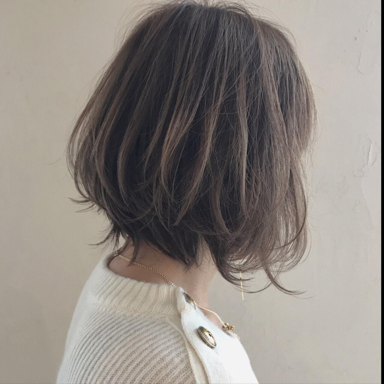 フェミニン アンニュイ ウェーブ ボブヘアスタイルや髪型の写真・画像