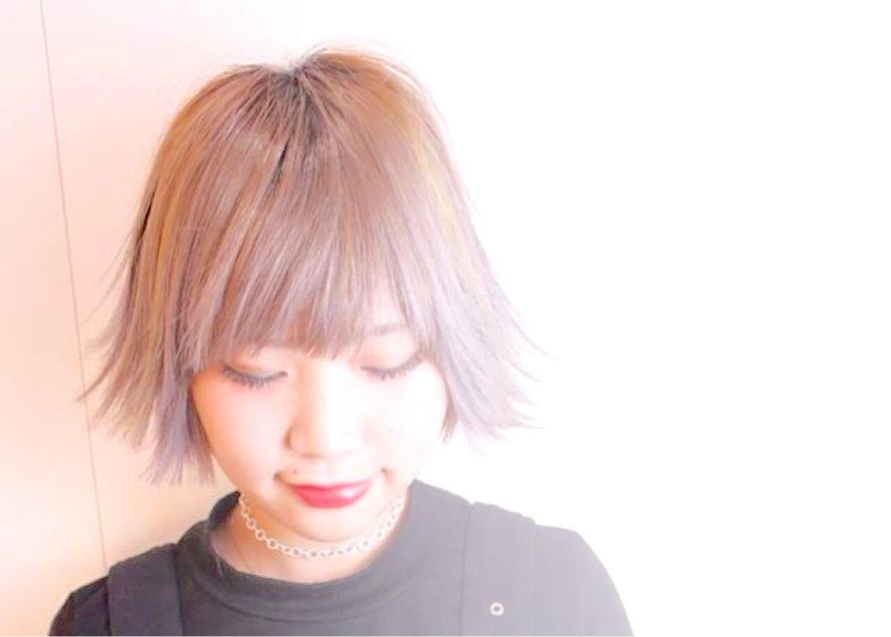 ハイトーン ダブルカラー ボブ 丸顔ヘアスタイルや髪型の写真・画像