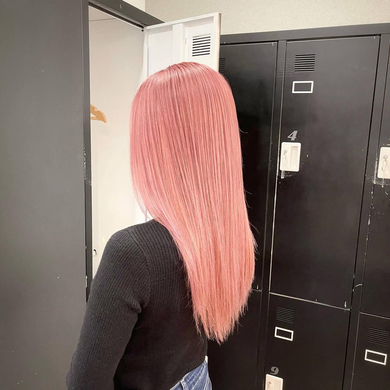 艶髪 ナチュラル ピンク ストレートヘアスタイルや髪型の写真・画像