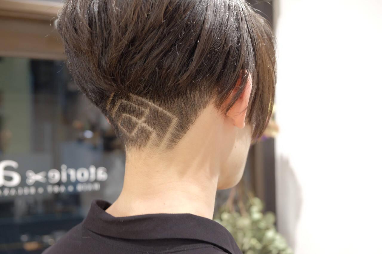 メンズショート ショート モード ツーブロックヘアスタイルや髪型の写真・画像