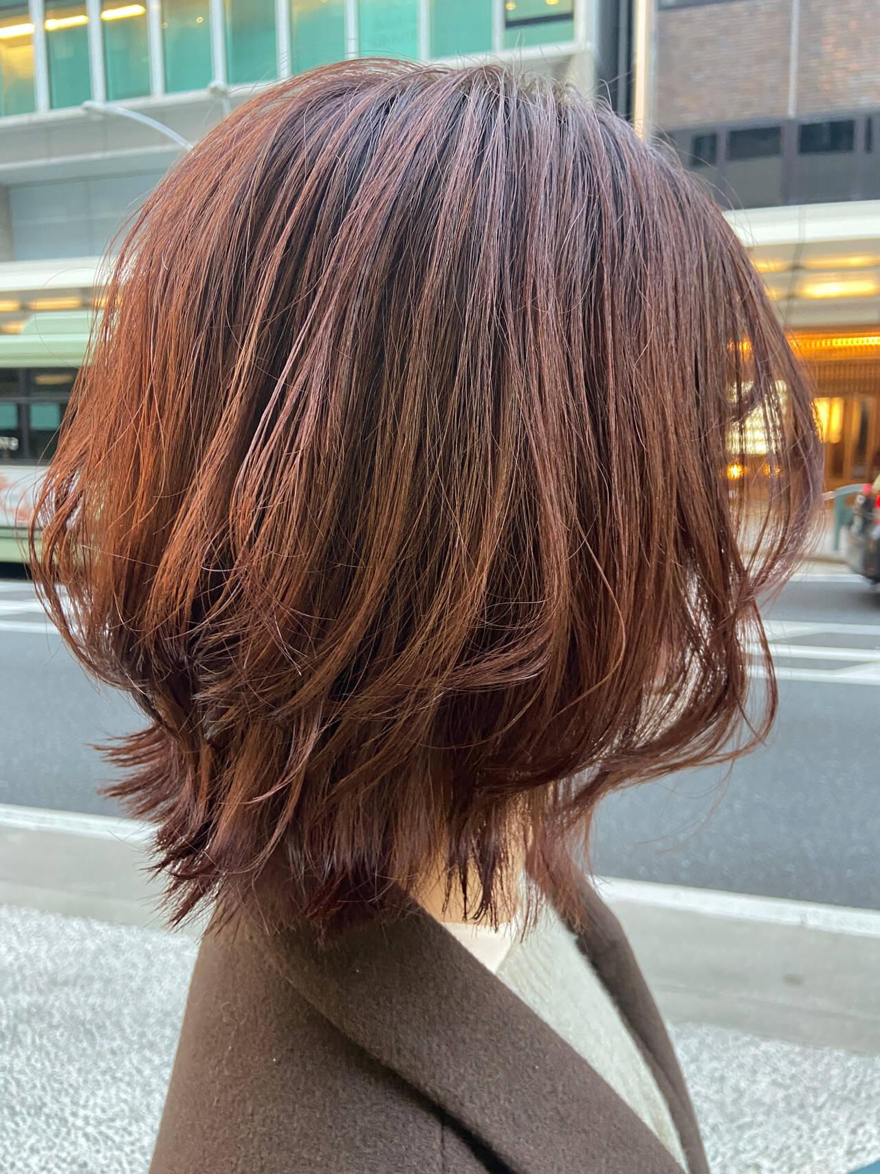ナチュラルウルフ ニュアンスウルフ ブラウンベージュ ミディアムヘアスタイルや髪型の写真・画像