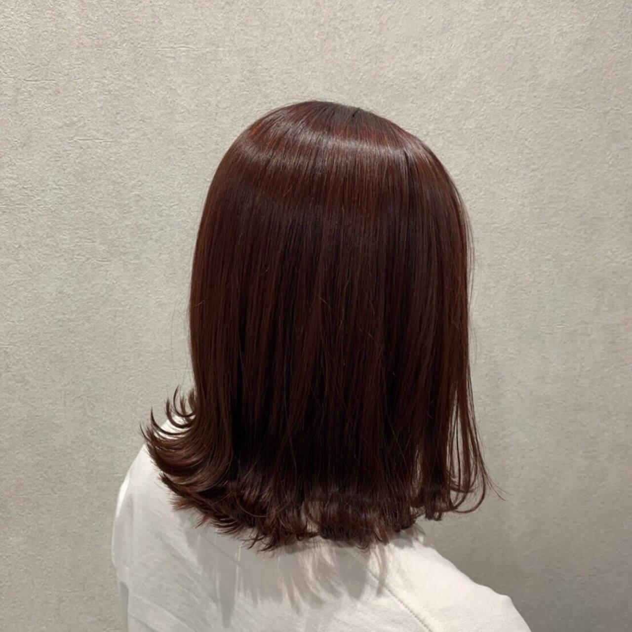 ピンクブラウン ピンクベージュ ミディアム 外ハネヘアスタイルや髪型の写真・画像