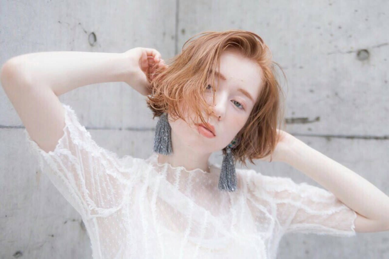 ショート オレンジ ショートボブ ベージュヘアスタイルや髪型の写真・画像