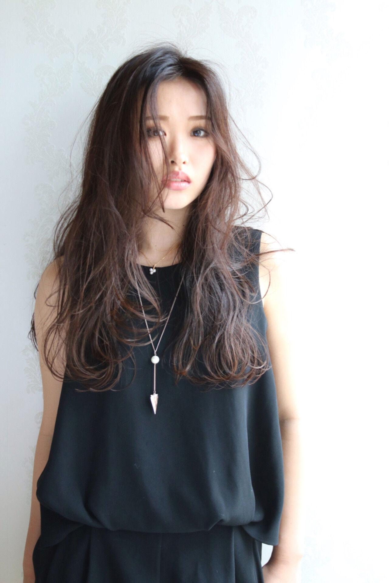 ニュアンス 暗髪 ロング 黒髪ヘアスタイルや髪型の写真・画像