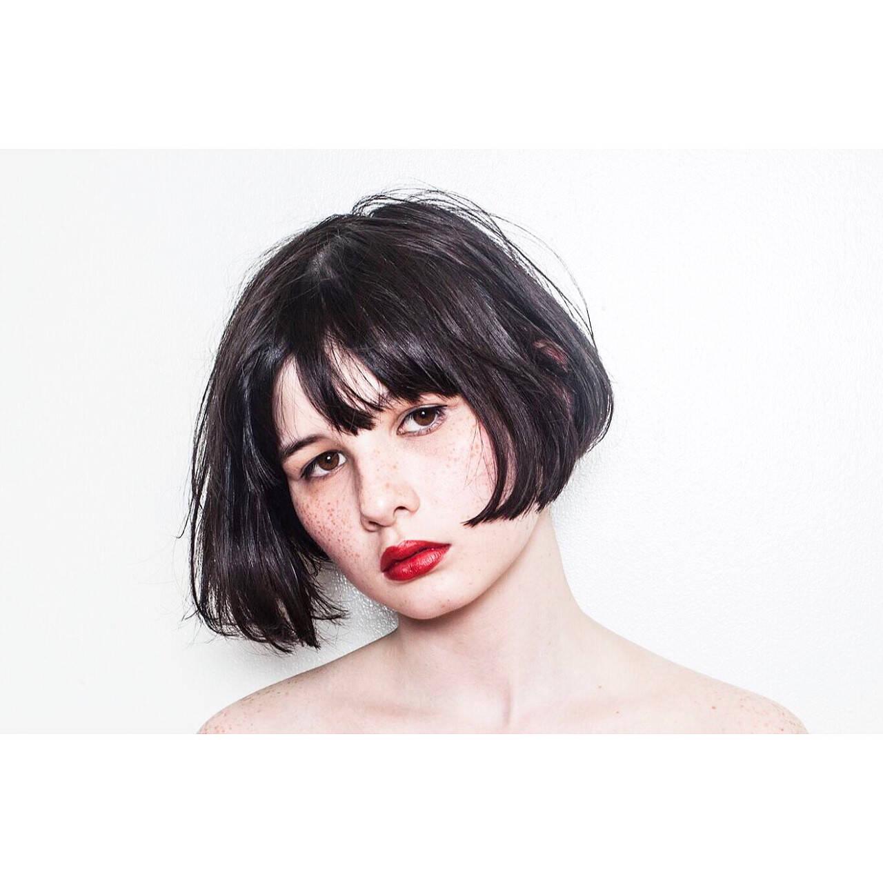 切りっぱなし ワンレングス ショートボブ モードヘアスタイルや髪型の写真・画像