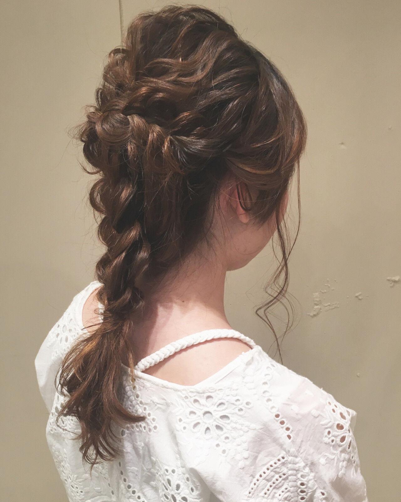 セミロング 編み込み ナチュラル 女子会ヘアスタイルや髪型の写真・画像
