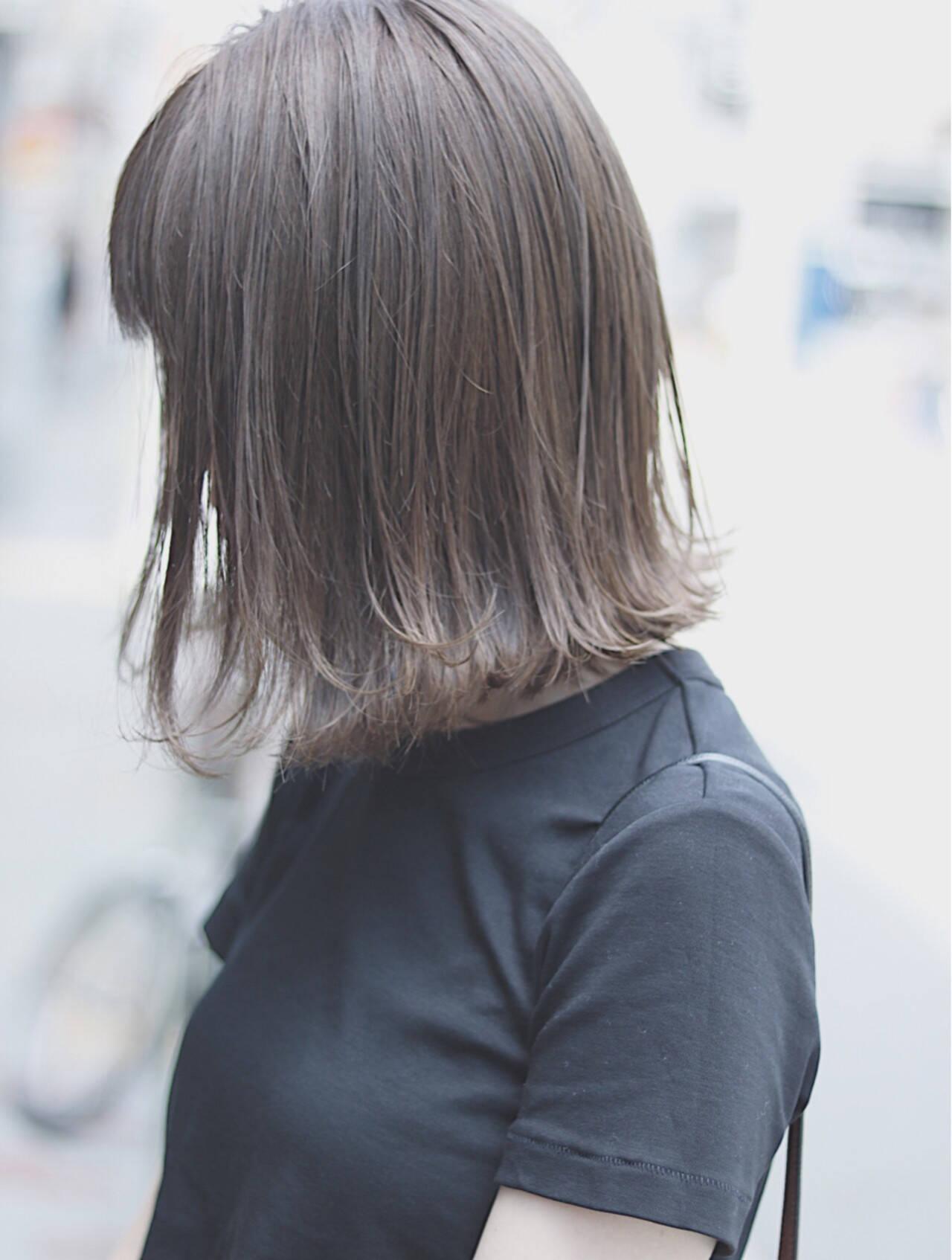 ボブ イルミナカラー ミルクティーベージュ デートヘアスタイルや髪型の写真・画像