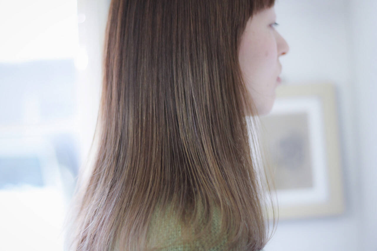 セミロング ラベンダーピンク ラベンダーグレージュ ラベンダーアッシュヘアスタイルや髪型の写真・画像