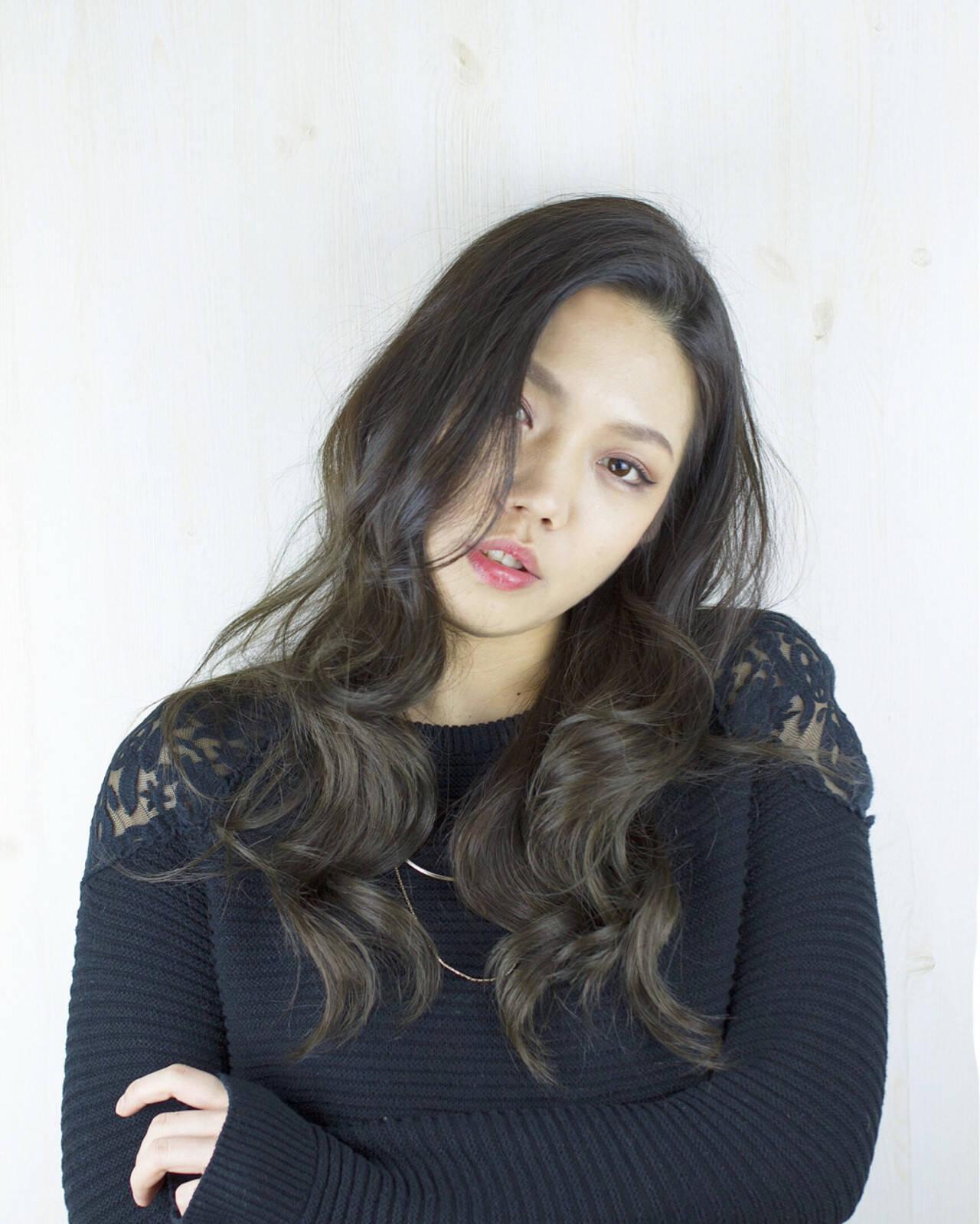 ロング アッシュ 外国人風カラー 暗髪ヘアスタイルや髪型の写真・画像