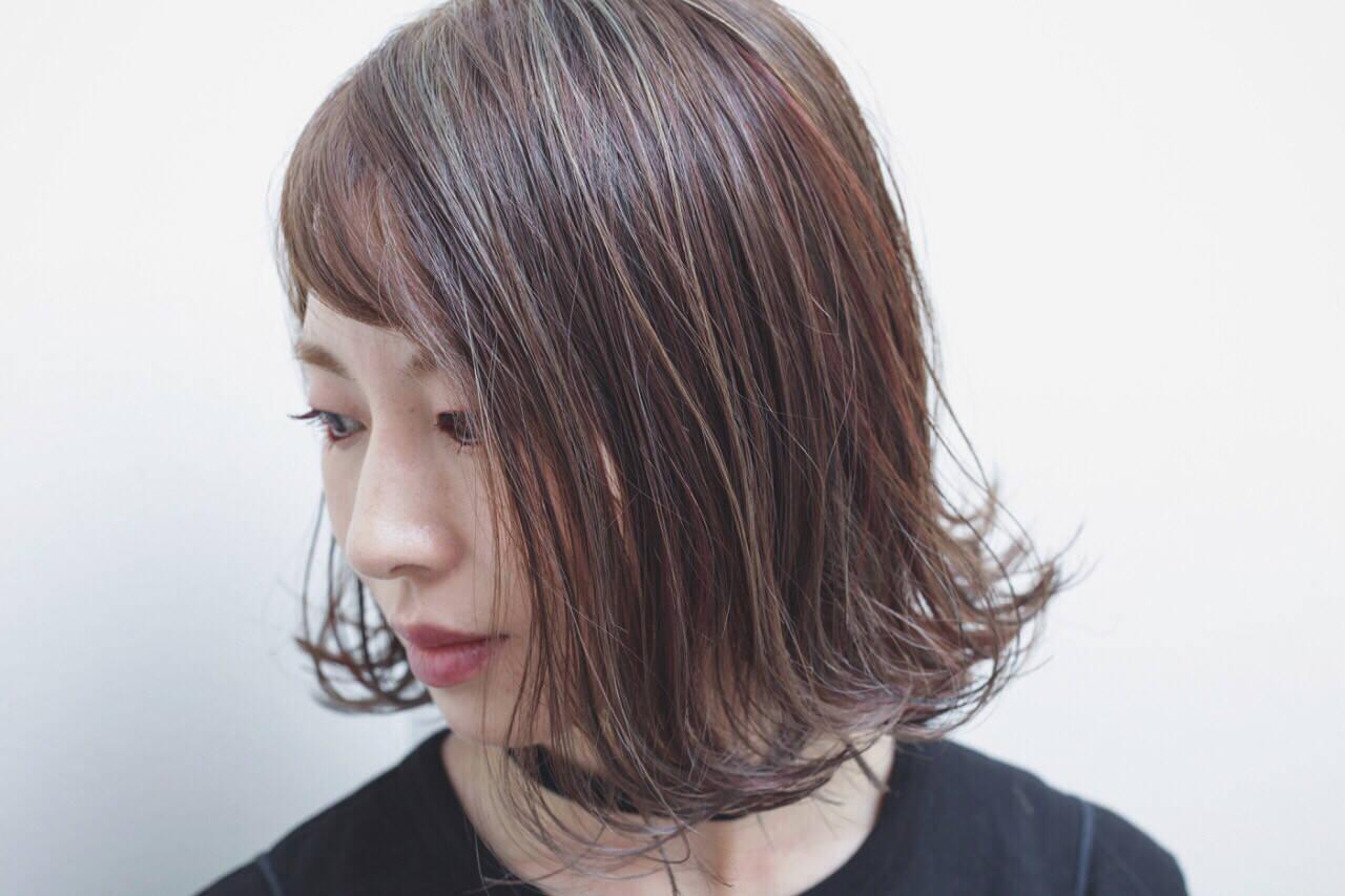 外国人風 モード アッシュ ボブヘアスタイルや髪型の写真・画像