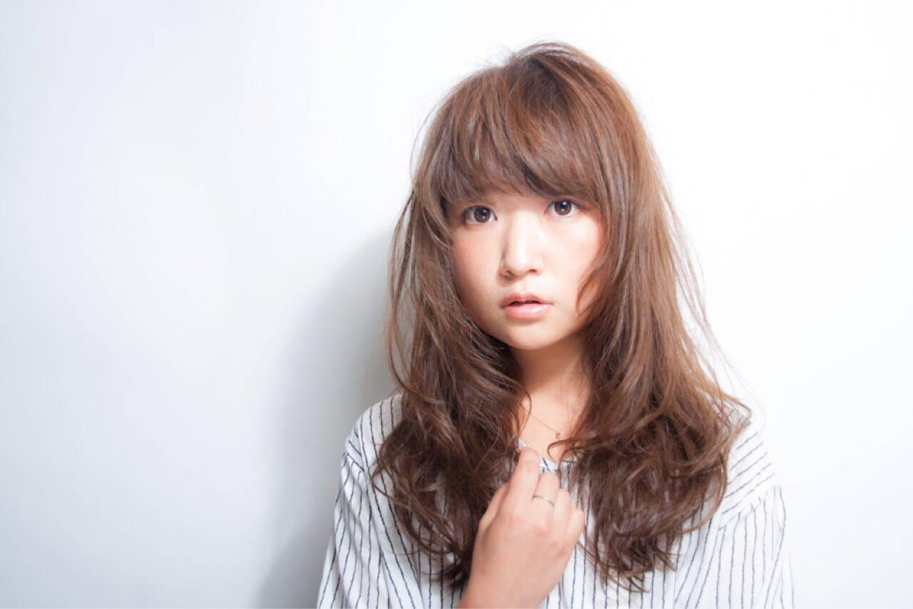 小顔 秋 ウェーブ 大人女子ヘアスタイルや髪型の写真・画像
