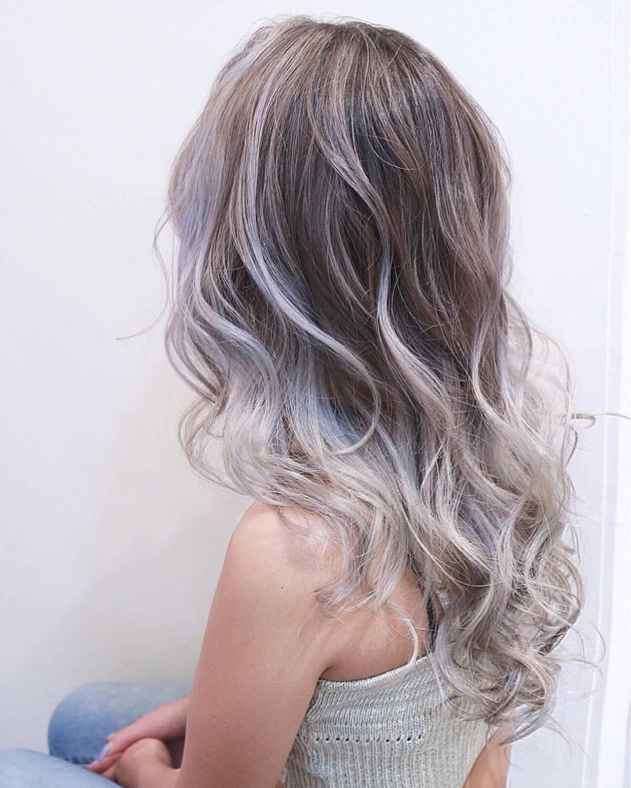 バレイヤージュ ハイライト 透明感 ナチュラルヘアスタイルや髪型の写真・画像