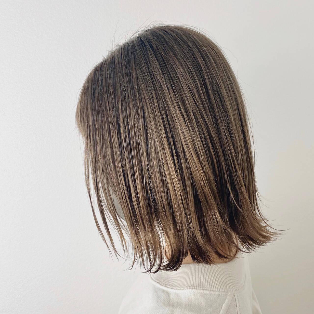 ミディアム 切りっぱなしボブ ミディアムレイヤー ストリートヘアスタイルや髪型の写真・画像