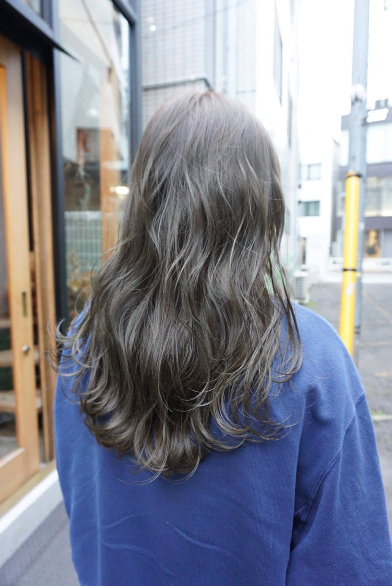 暗髪 ロング 透明感 ナチュラルヘアスタイルや髪型の写真・画像