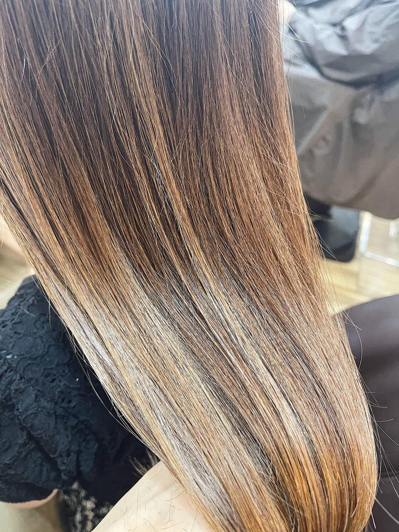 インナーカラー 韓国風ヘアー 透明感カラー ロングヘアスタイルや髪型の写真・画像