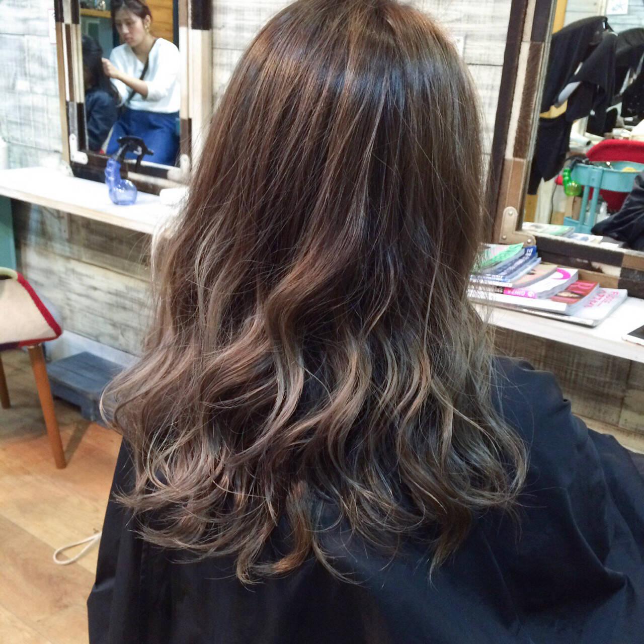 ダブルカラー ハイライト 外国人風カラー ナチュラルヘアスタイルや髪型の写真・画像