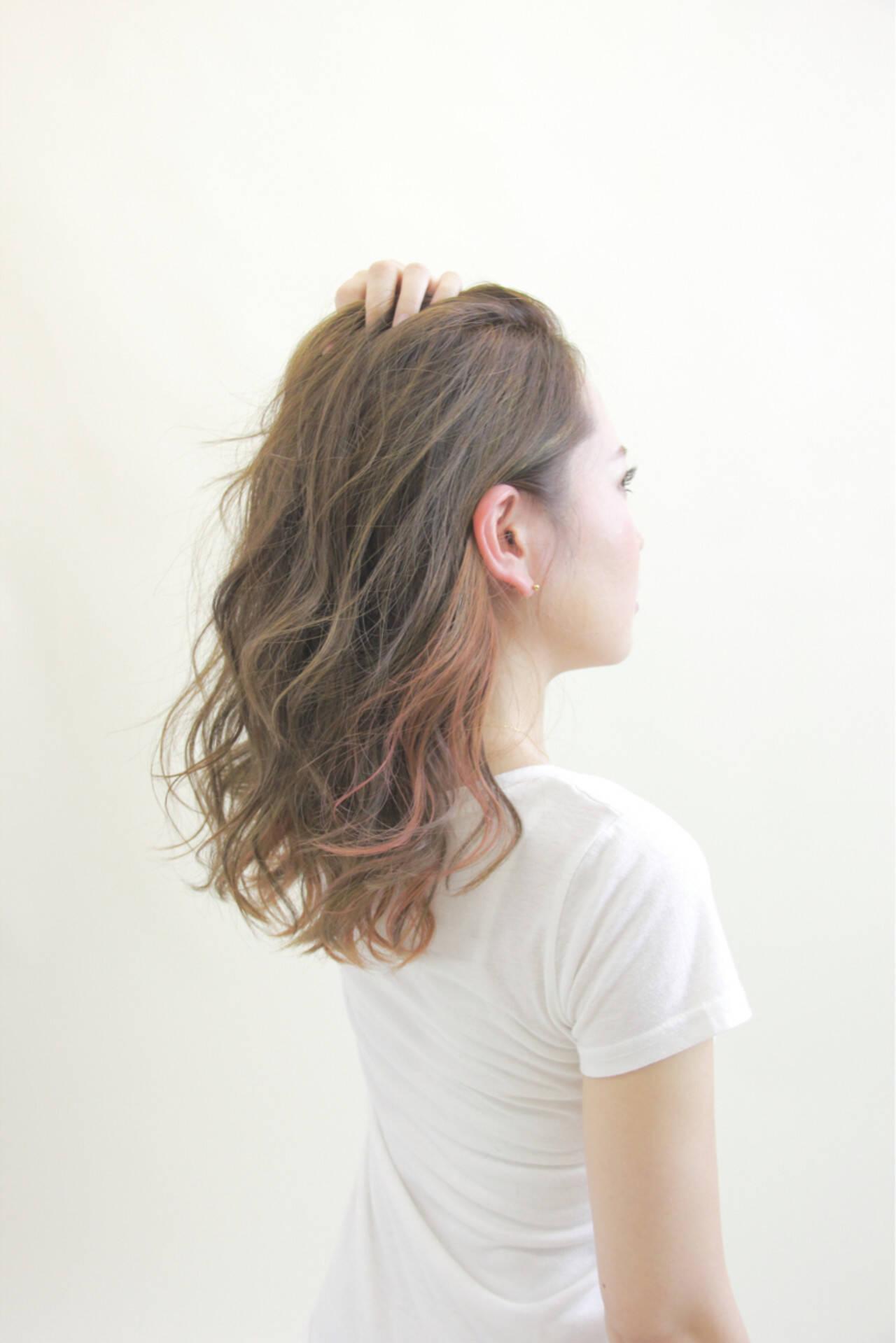 インナーカラー ダブルカラー 秋 セミロングヘアスタイルや髪型の写真・画像