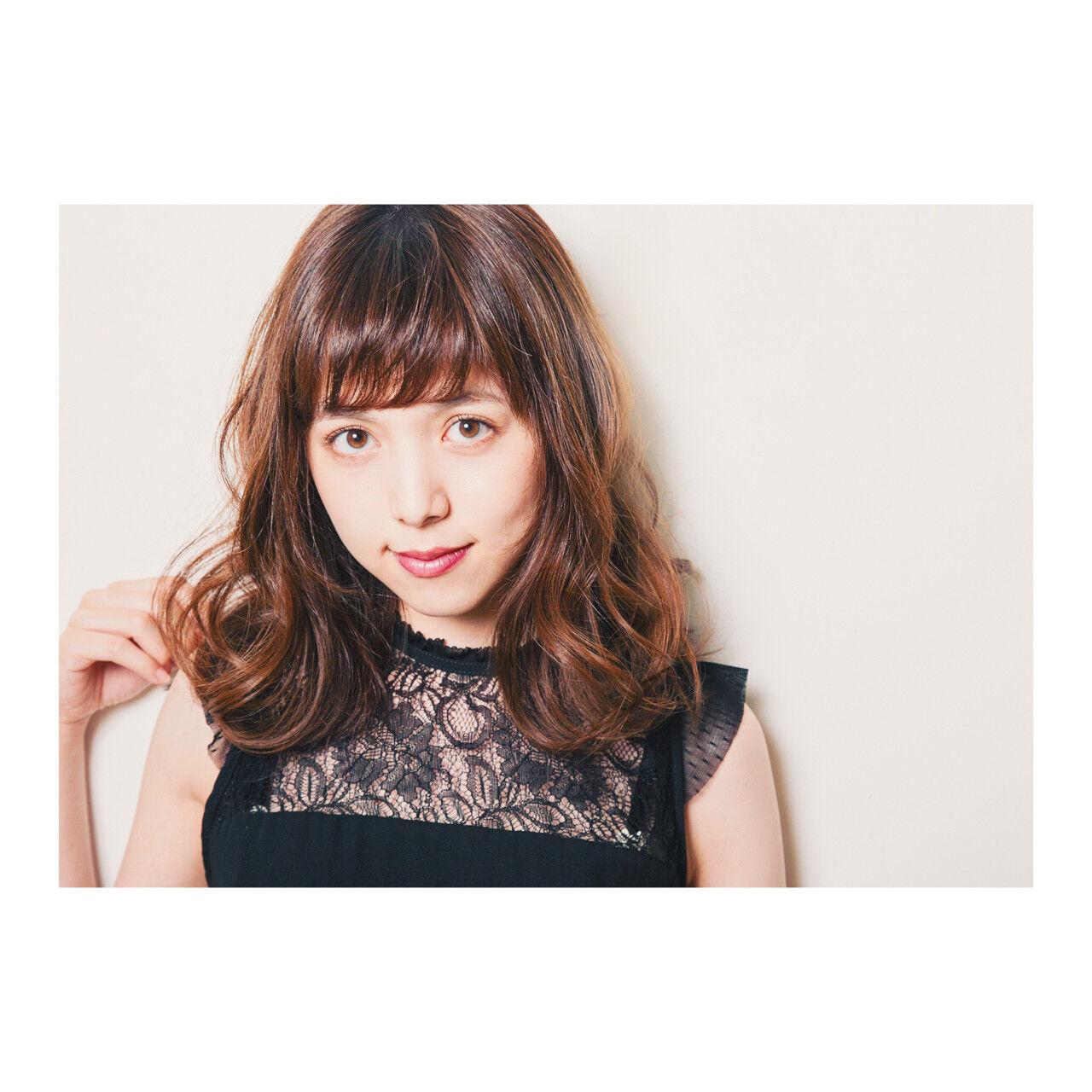 モード デジタルパーマ セミロング 暗髪ヘアスタイルや髪型の写真・画像