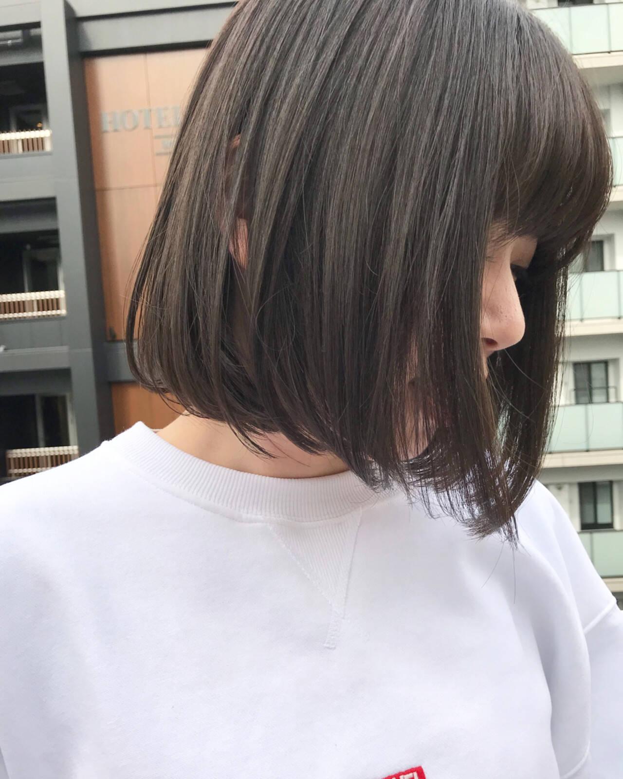 グレージュ デート ナチュラル 透明感ヘアスタイルや髪型の写真・画像