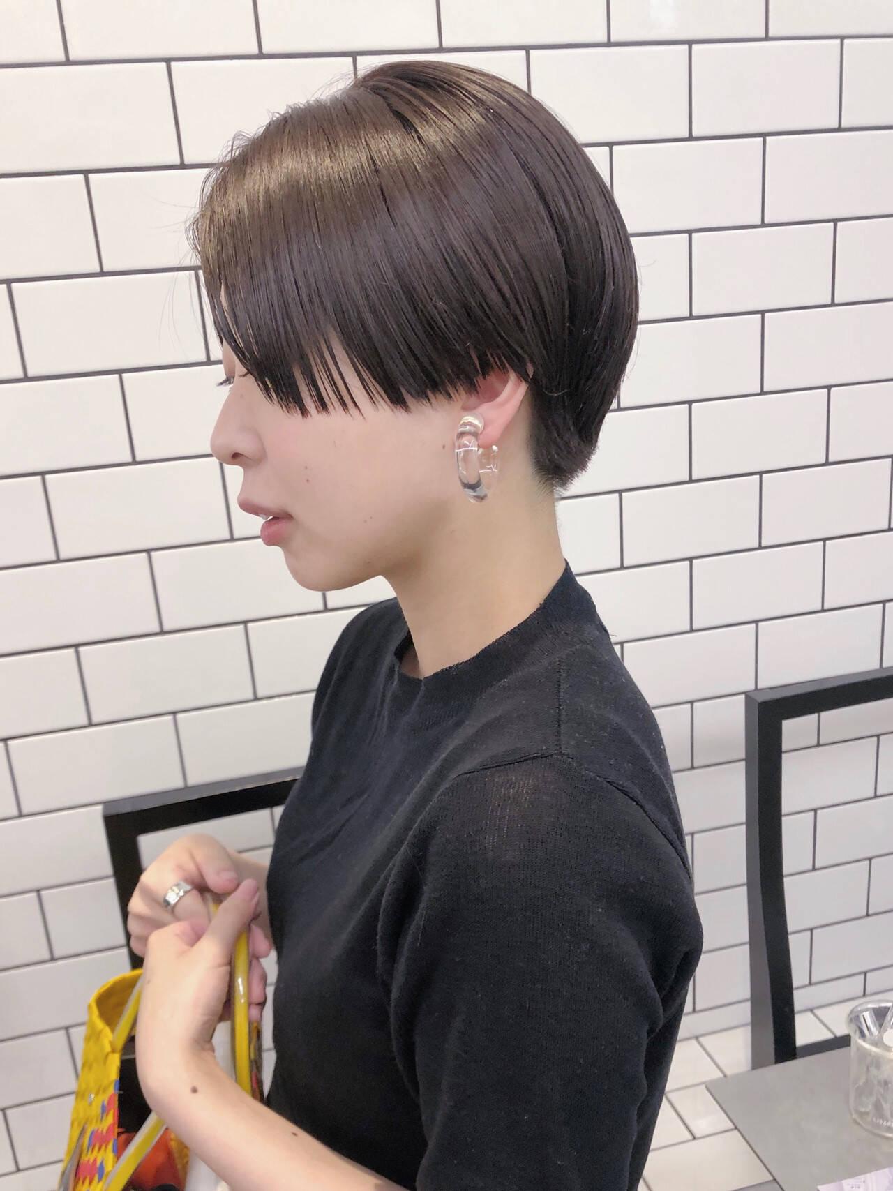 ぱっつん ハンサムショート 大人カジュアル ショートヘアスタイルや髪型の写真・画像
