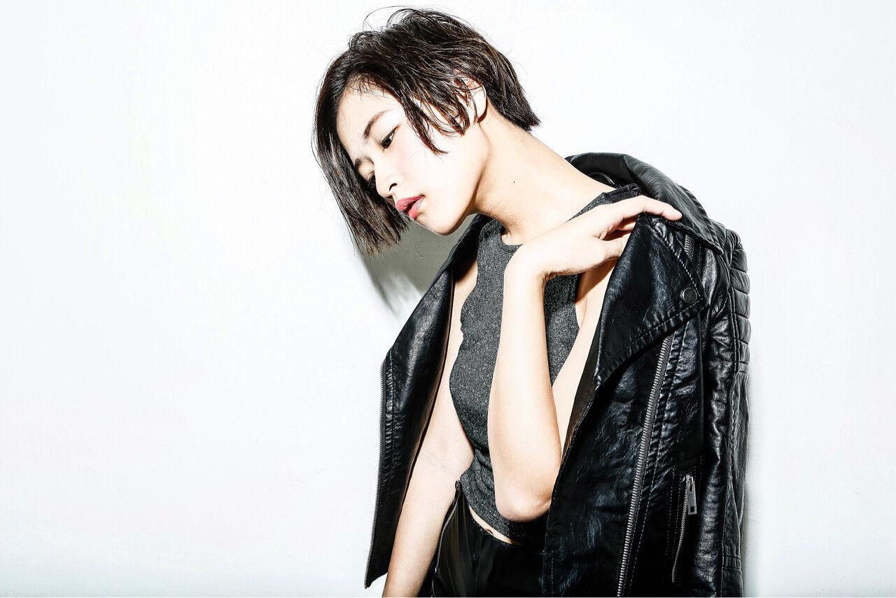黒髪 ショート モード パーマヘアスタイルや髪型の写真・画像